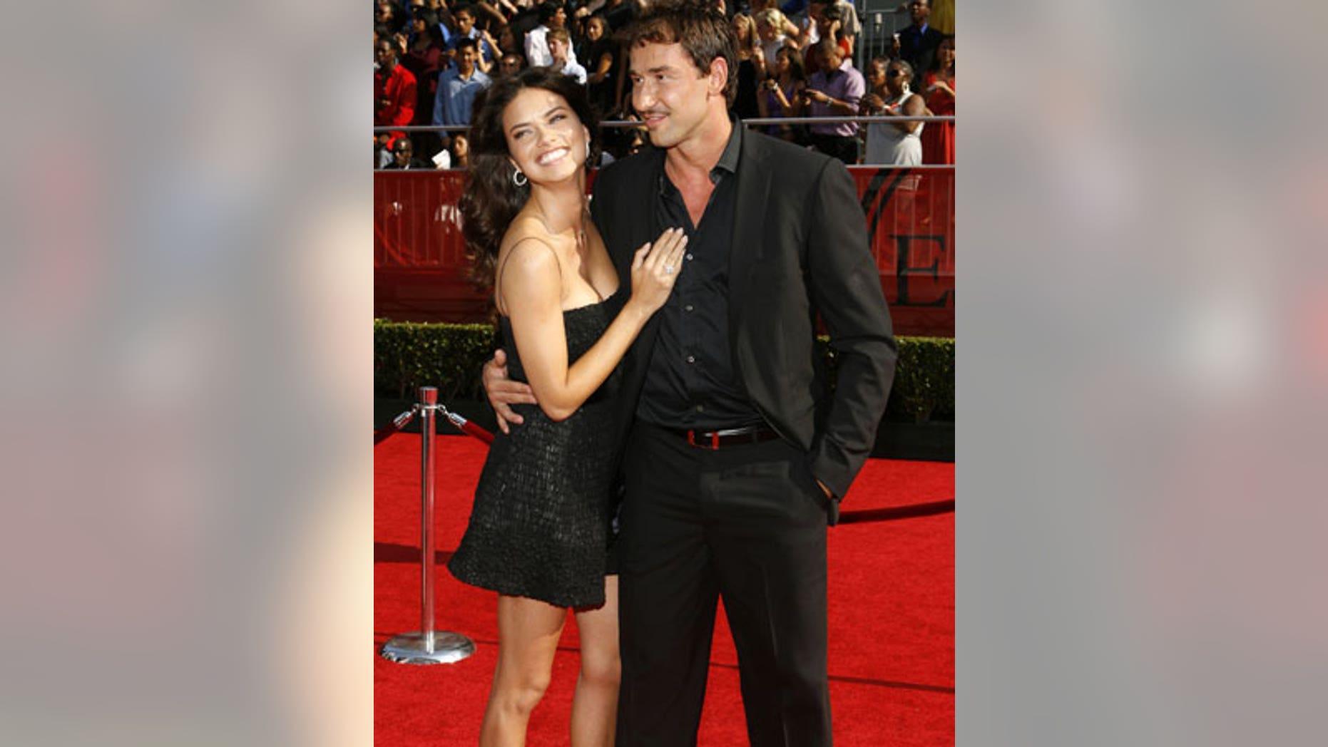 Adriana Lima with her new husband, Marko Jaric at the 2008 ESPY Awards.