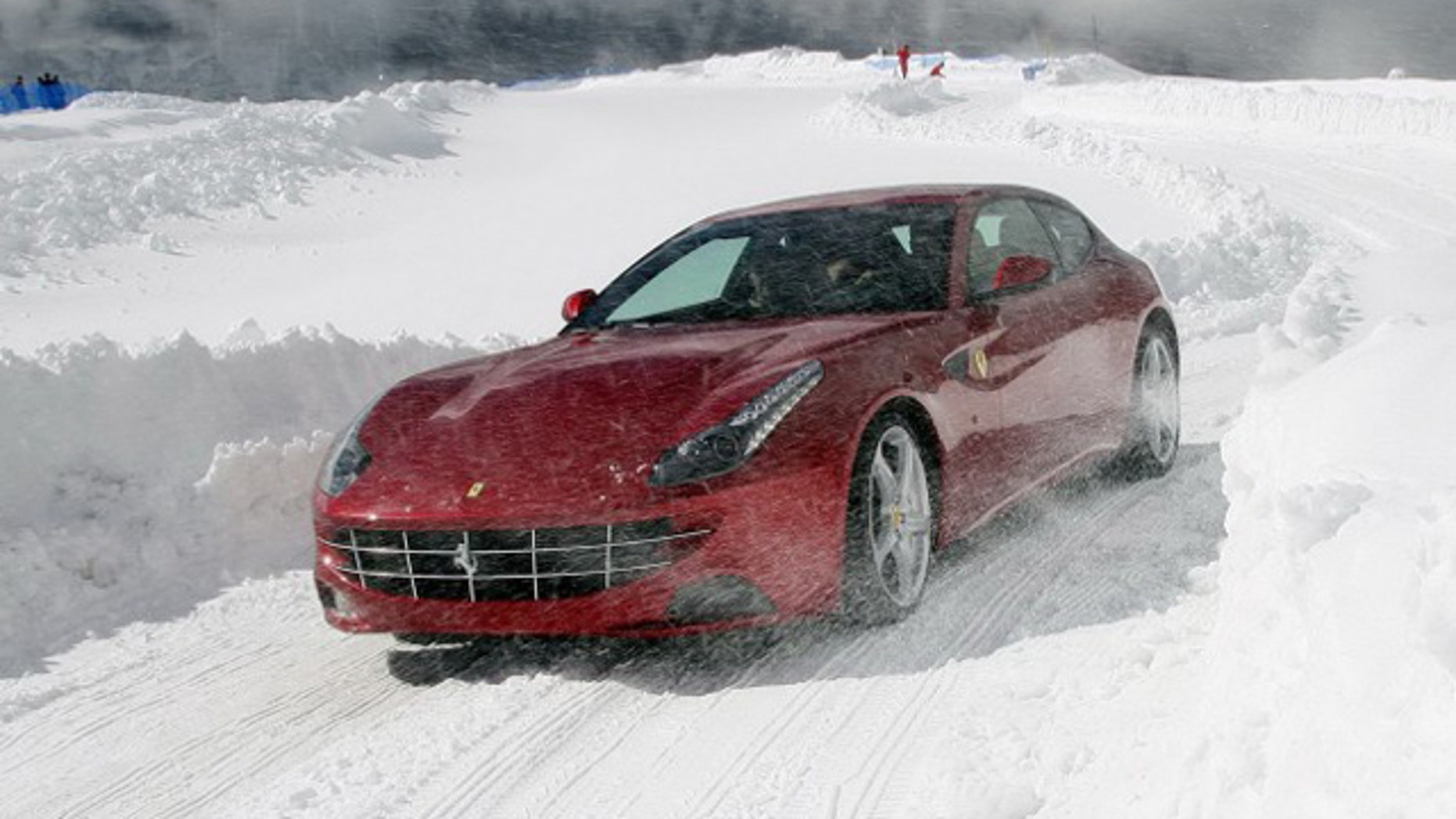 Holiday Gift Guide: Ultimate Winter Driving Experiences