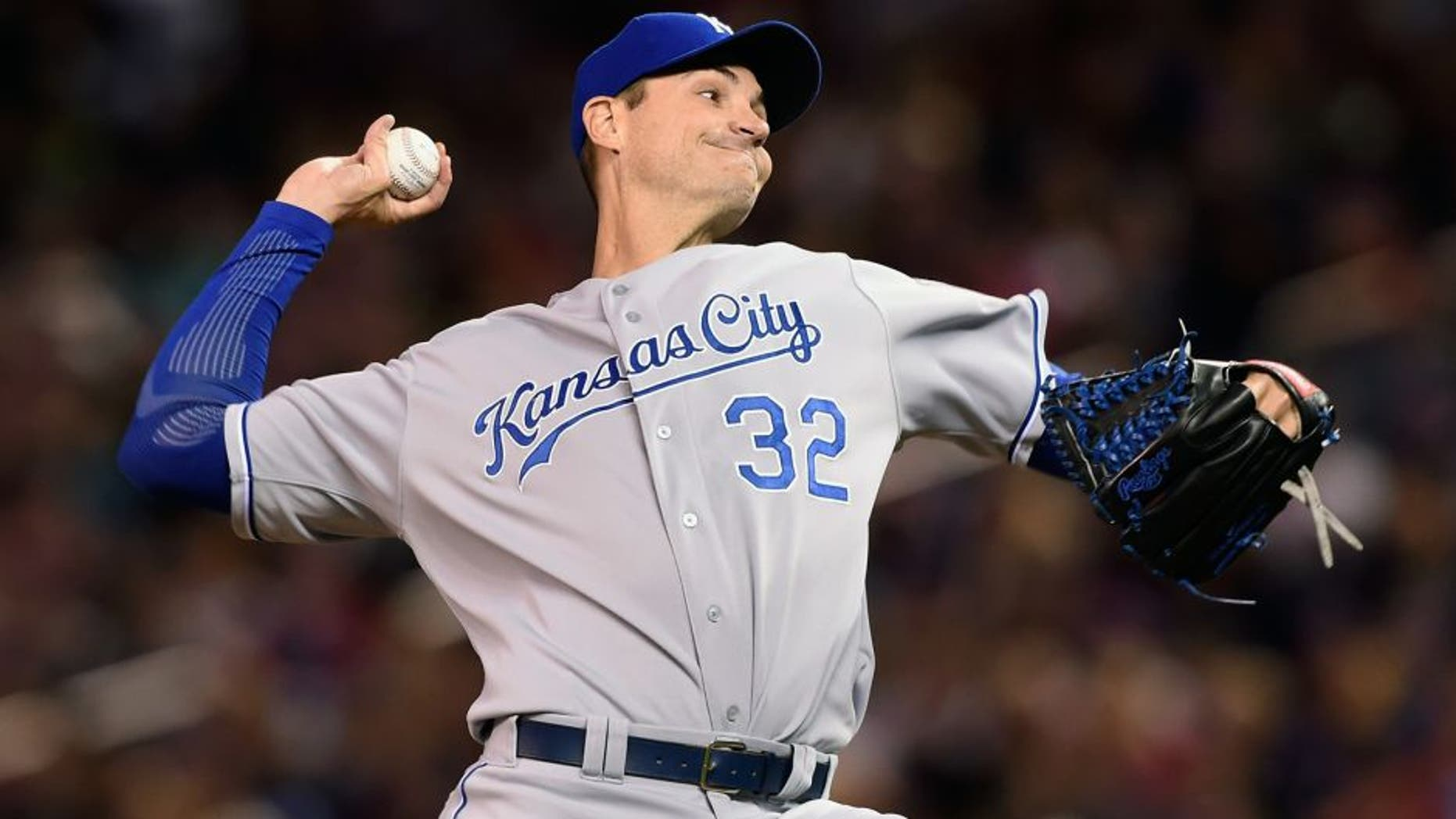 MINNEAPOLIS, MN - OCTOBER 2: Chris Young #32 of the Kansas City Royals delivers a pitch against the Minnesota Twins during the first inning of the game on October 2, 2015 at Target Field in Minneapolis, Minnesota. (Photo by Hannah Foslien/Getty Images)