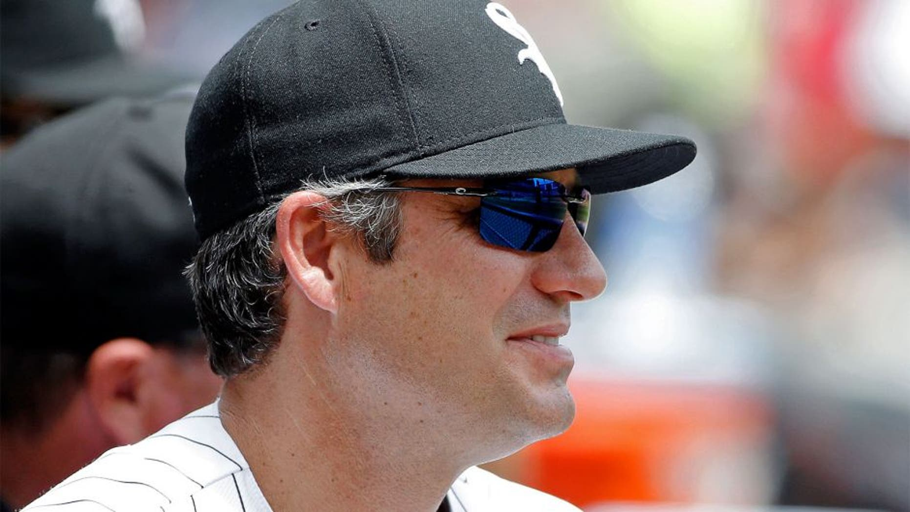 CHICAGO, IL - JUNE 20: Manager Robin Ventura #23 of the Chicago White Sox in the dugout during the second inning during the game against the Texas Rangers at U.S. Cellular Field on June 20, 2015 in Chicago, Illinois. (Photo by Jon Durr/Getty Images)