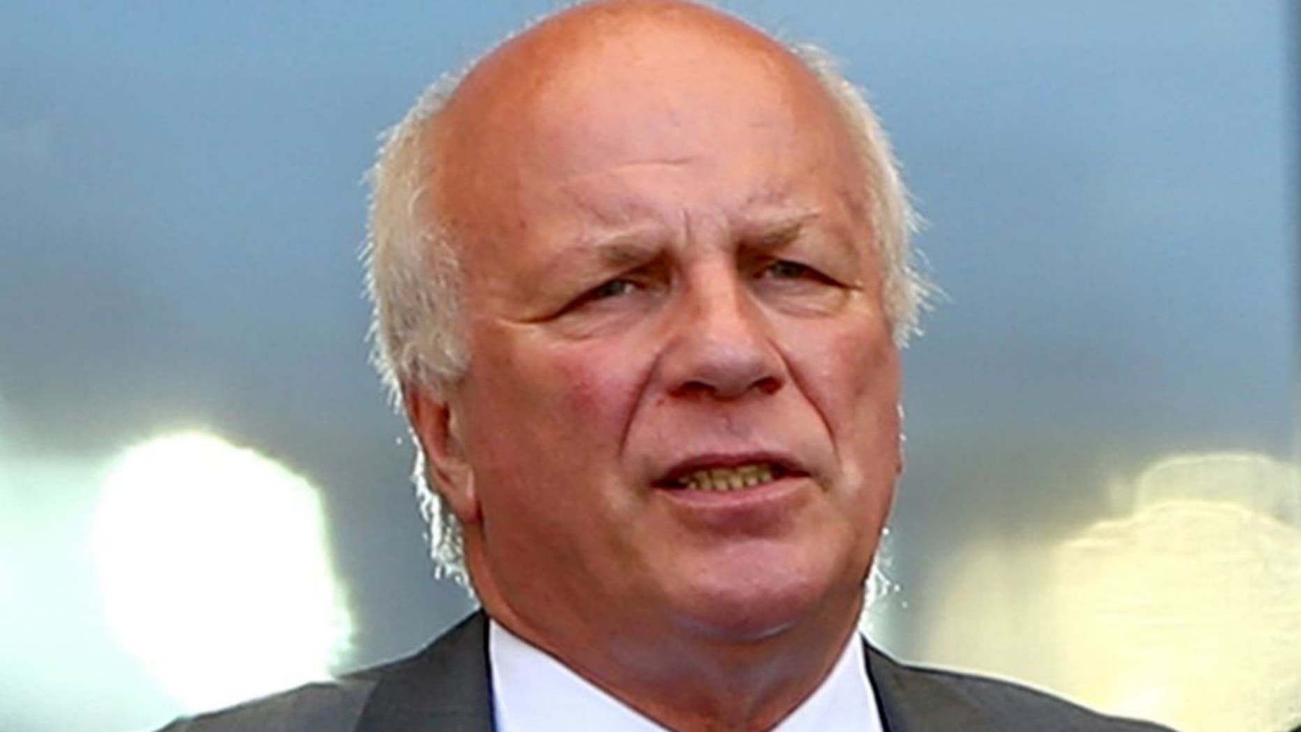 BELO HORIZONTE, BRAZIL - JUNE 24: Chairman of the FA Greg Dyke look on during the 2014 FIFA World Cup Brazil Group D match between Costa Rica and England at Estadio Mineirao on June 24, 2014 in Belo Horizonte, Brazil. (Photo by Paul Gilham/Getty Images)