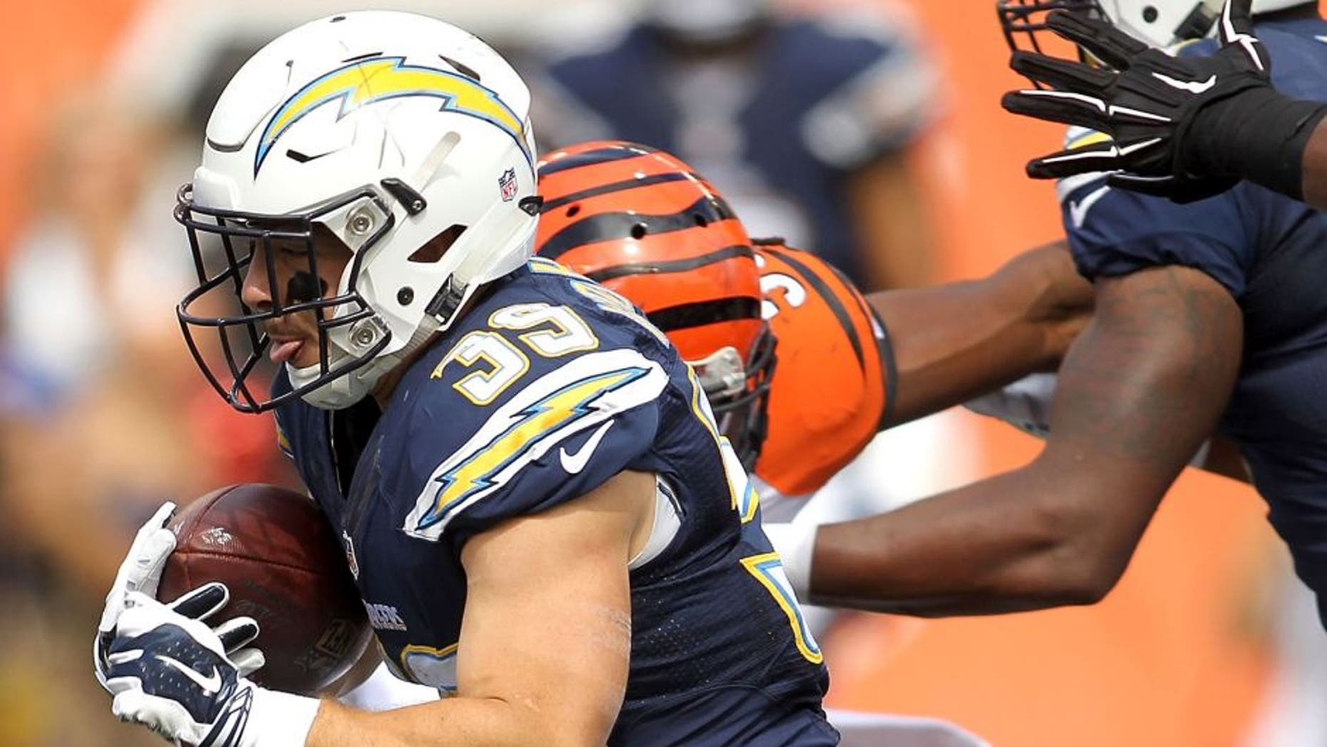 CINCINNATI, OH - SEPTEMBER 20: Danny Woodhead #39 of the San Diego Chargers carries the ball during the third quarter of the game against the Cincinnati Bengals at Paul Brown Stadium on September 20, 2015 in Cincinnati, Ohio. (Photo by John Grieshop/Getty Images)