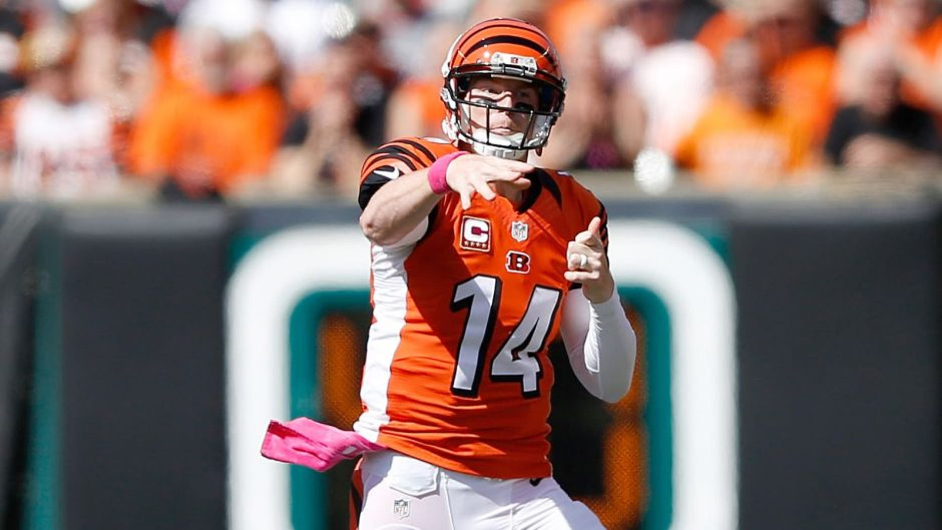 CINCINNATI, OH - OCTOBER 4: Andy Dalton #14 of the Cincinnati Bengals throws a pass during the first quarter of the game against the Kansas City Chiefs at Paul Brown Stadium on October 4, 2015 in Cincinnati, Ohio. (Photo by Joe Robbins/Getty Images)