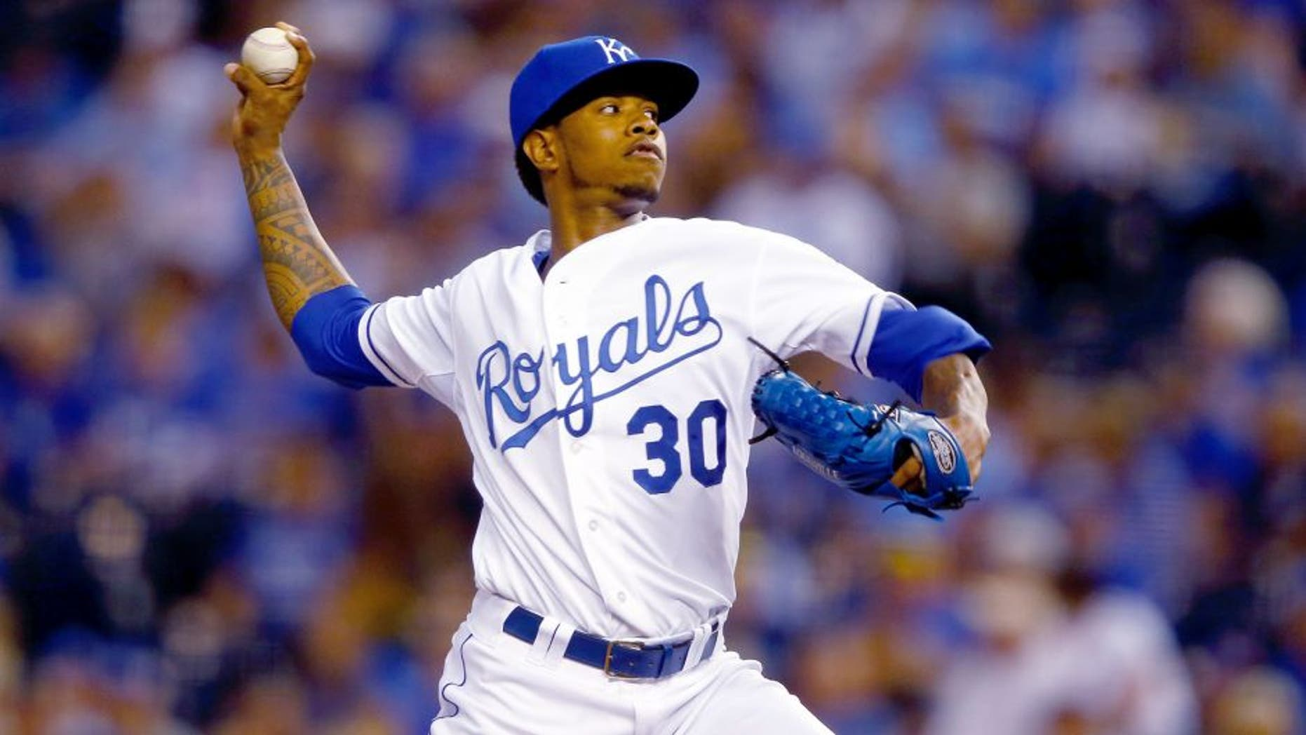 KANSAS CITY, MO - SEPTEMBER 23: Starting pitcher Yordano Ventura #30 of the Kansas City Royals pitches during the 1st inning of the game against the Seattle Mariners at Kauffman Stadium on September 23, 2015 in Kansas City, Missouri. (Photo by Jamie Squire/Getty Images)