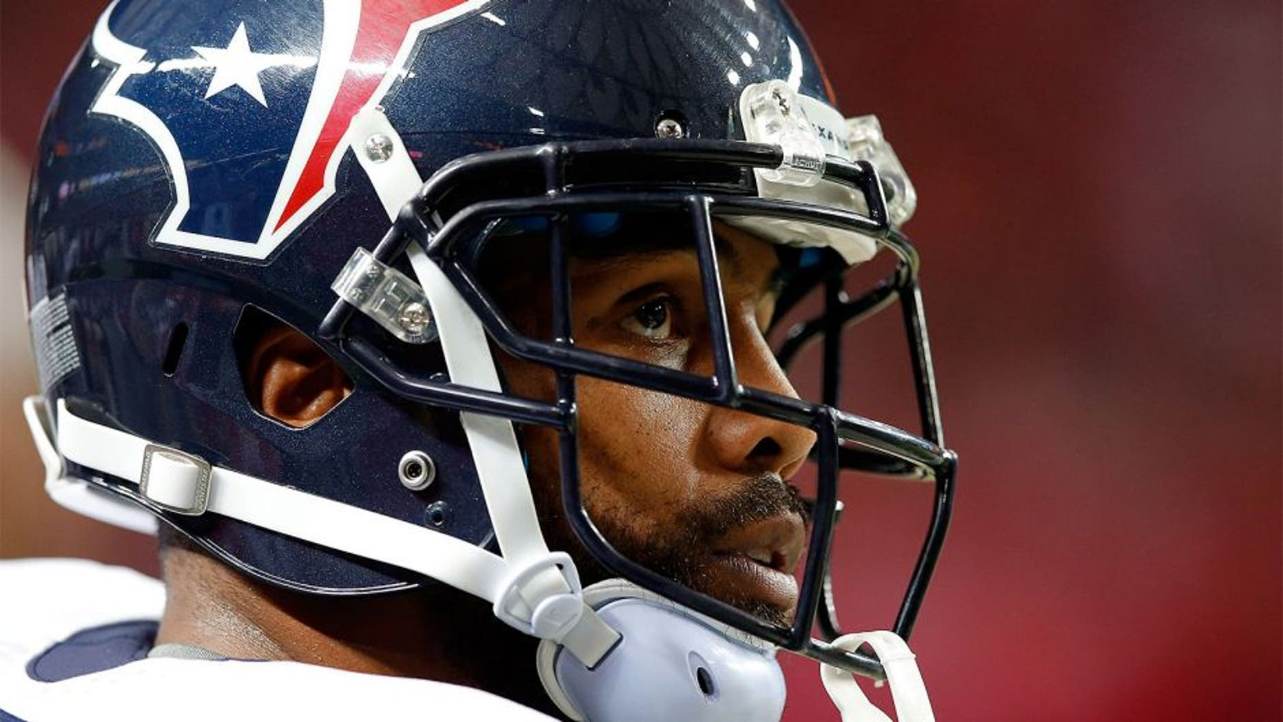 ATLANTA, GA - OCTOBER 04: Arian Foster #23 of the Houston Texans looks on from the sideline in the first half against the Atlanta Falcons at the Georgia Dome on October 4, 2015 in Atlanta, Georgia. (Photo by Kevin C. Cox/Getty Images)