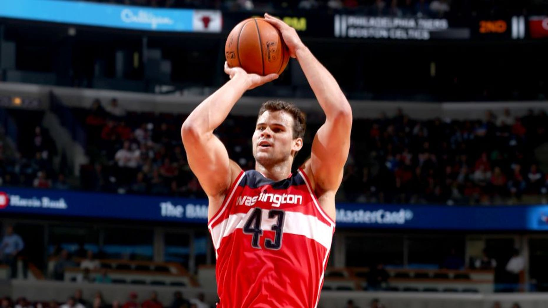 CHICAGO, IL - OCTOBER 6: Kris Humphries #43 of the Washington Wizards shoots against the Chicago Bulls on October 6, 2014 at the United Center in Chicago, Illinois. NOTE TO USER: User expressly acknowledges and agrees that, by downloading and or using this Photograph, user is consenting to the terms and conditions of the Getty Images License Agreement. Mandatory Copyright Notice: Copyright 2014 NBAE (Photo by Gary Dineen/NBAE via Getty Images)