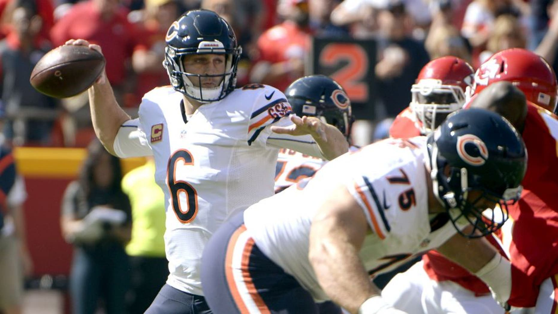 Oct 11, 2015; Kansas City, MO, USA; Chicago Bears quarterback Jay Cutler (6) throws a pass against the Kansas City Chiefs in the first half at Arrowhead Stadium. Mandatory Credit: John Rieger-USA TODAY Sports