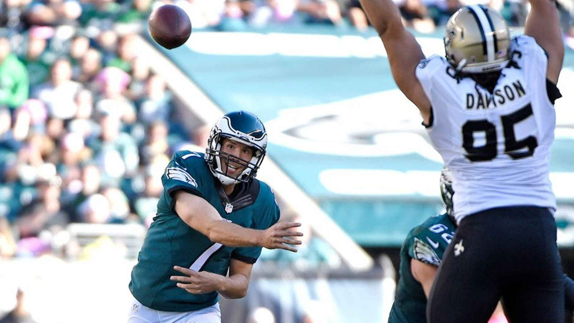 Oct 11, 2015; Philadelphia, PA, USA; Philadelphia Eagles quarterback Sam Bradford (7) throws a pass during the third quarter against the New Orleans Saints at Lincoln Financial Field. The Eagles defeated the Saints, 39-17. Mandatory Credit: Eric Hartline-USA TODAY Sports