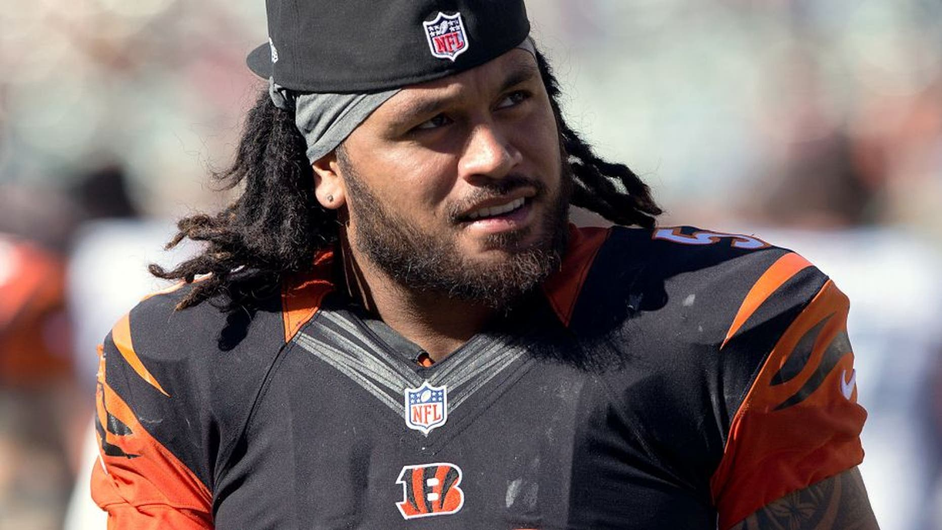 Sep 21, 2014; Cincinnati, OH, USA; Cincinnati Bengals middle linebacker Rey Maualuga (58) against the Tennessee Titans at Paul Brown Stadium. The Bengals won 33-7. Mandatory Credit: Aaron Doster-USA TODAY Sports