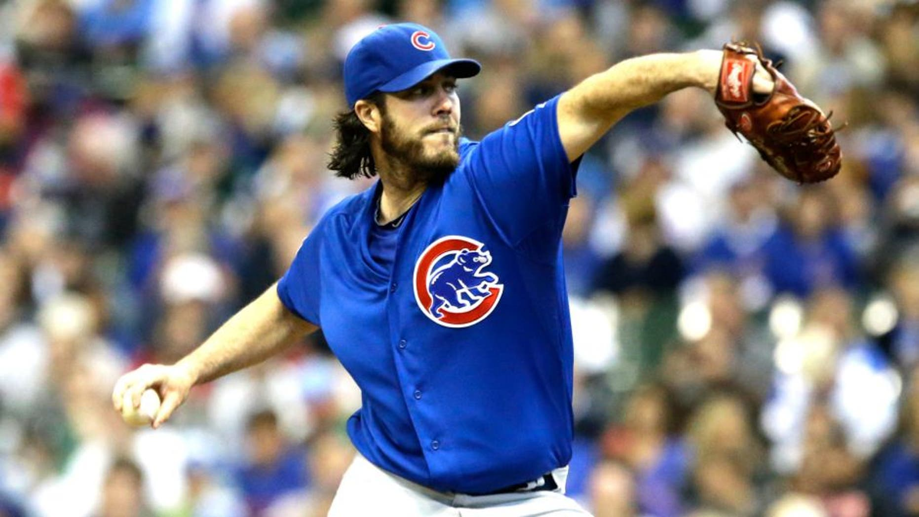 MILWAUKEE, WI - OCTOBER 4: Dan Haren #50 of the Chicago Cubs throws to the Milwaukee Brewers in the first inning of a baseball game at Miller Park on October 4, 2015 in Milwaukee, Wisconsin. (Photo by Jeffrey Phelps/Getty Images)