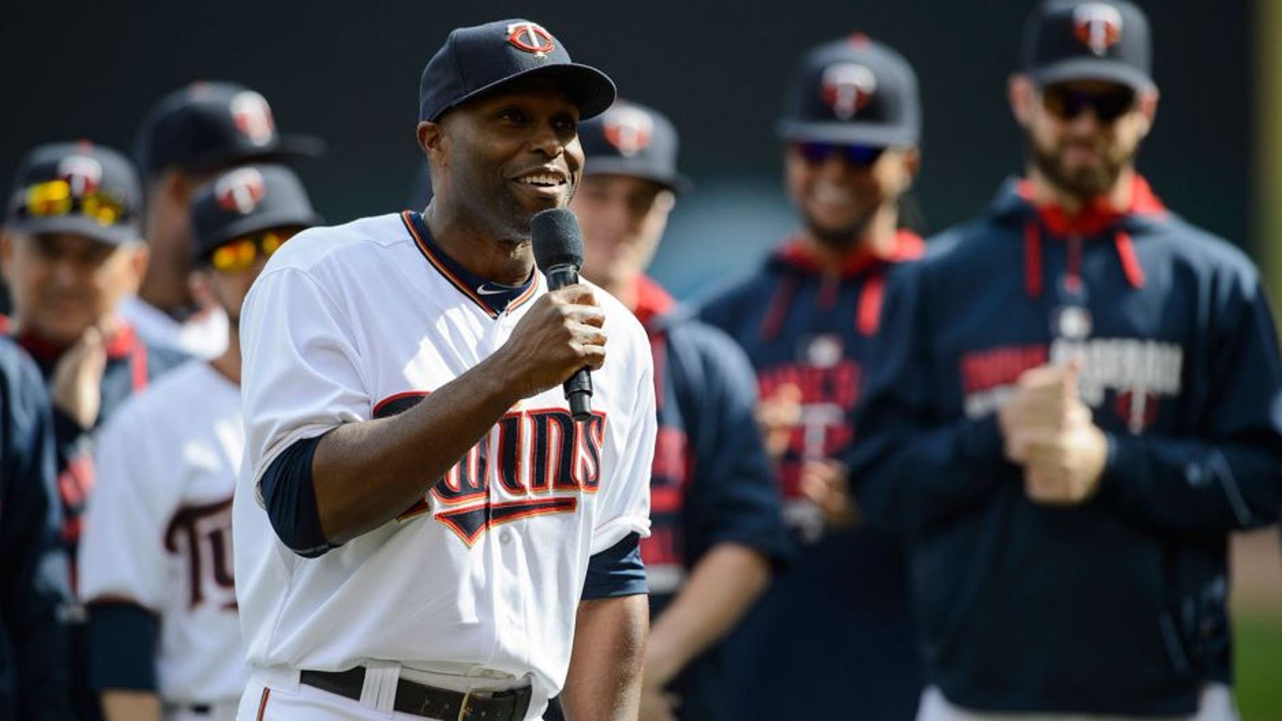 MINNEAPOLIS, MN - OCTOBER 4: Torii Hunter #48 of the Minnesota Twins speaks before the game against the Kansas City Royals on October 4, 2015 at Target Field in Minneapolis, Minnesota. The Royals defeated the Twins 6-1. (Photo by Hannah Foslien/Getty Images)