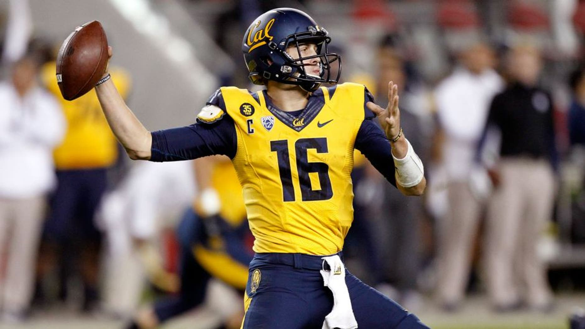 Oct 24, 2014; Santa Clara, CA, USA; California Golden Bears quarterback Jared Goff (16) throws the ball against the Oregon Ducks in the fourth quarter at Levi's Stadium. The Ducks won 59-41. Mandatory Credit: Cary Edmondson-USA TODAY Sports