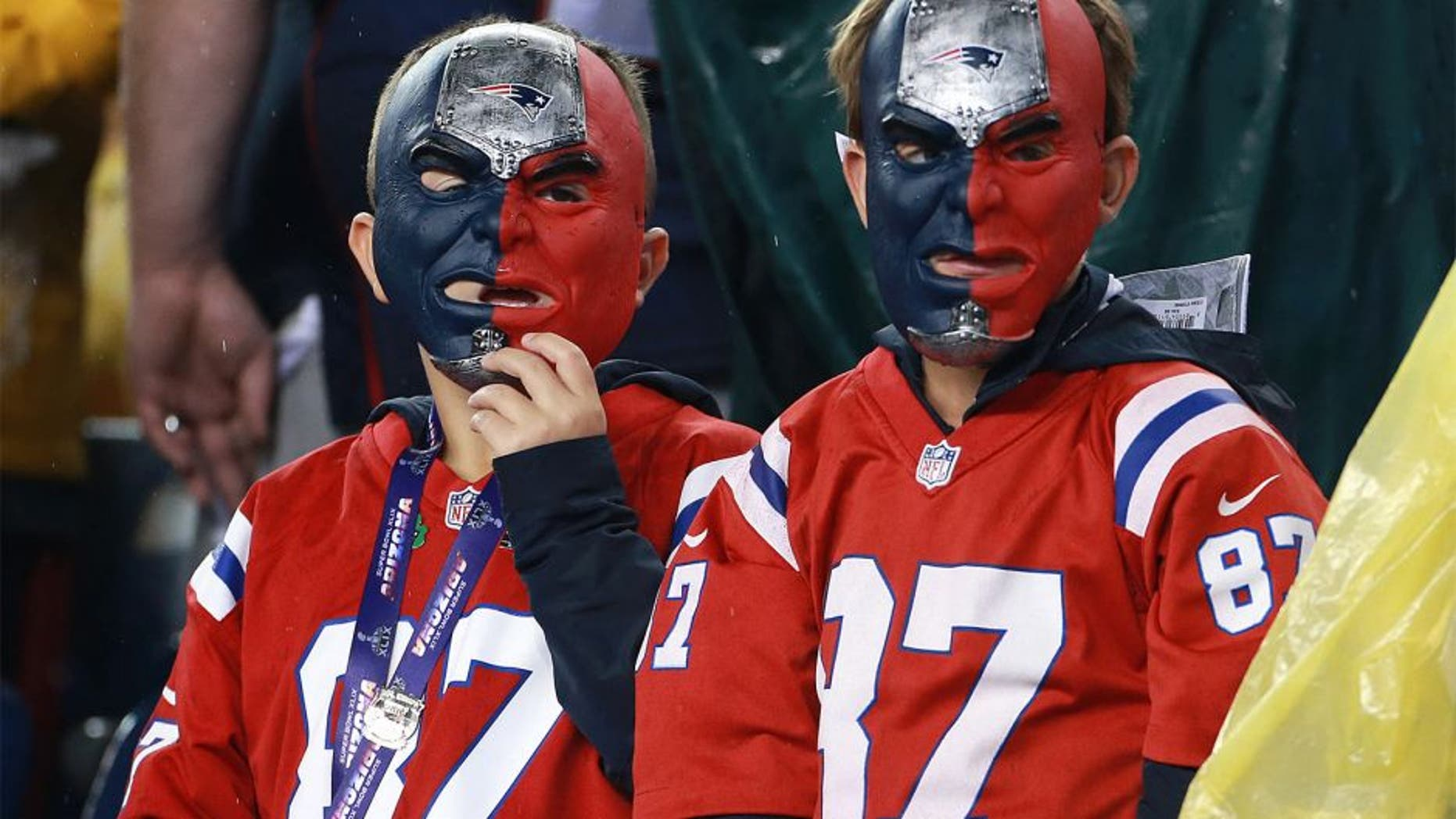 FOXBOROUGH, MA - SEPTEMBER 10: Fans at Gillette Stadium before the New England Patriots play the Pittsburgh Steelers on Thursday, Sept. 10, 2015. (Photo by Jim Davis/The Boston Globe via Getty Images)