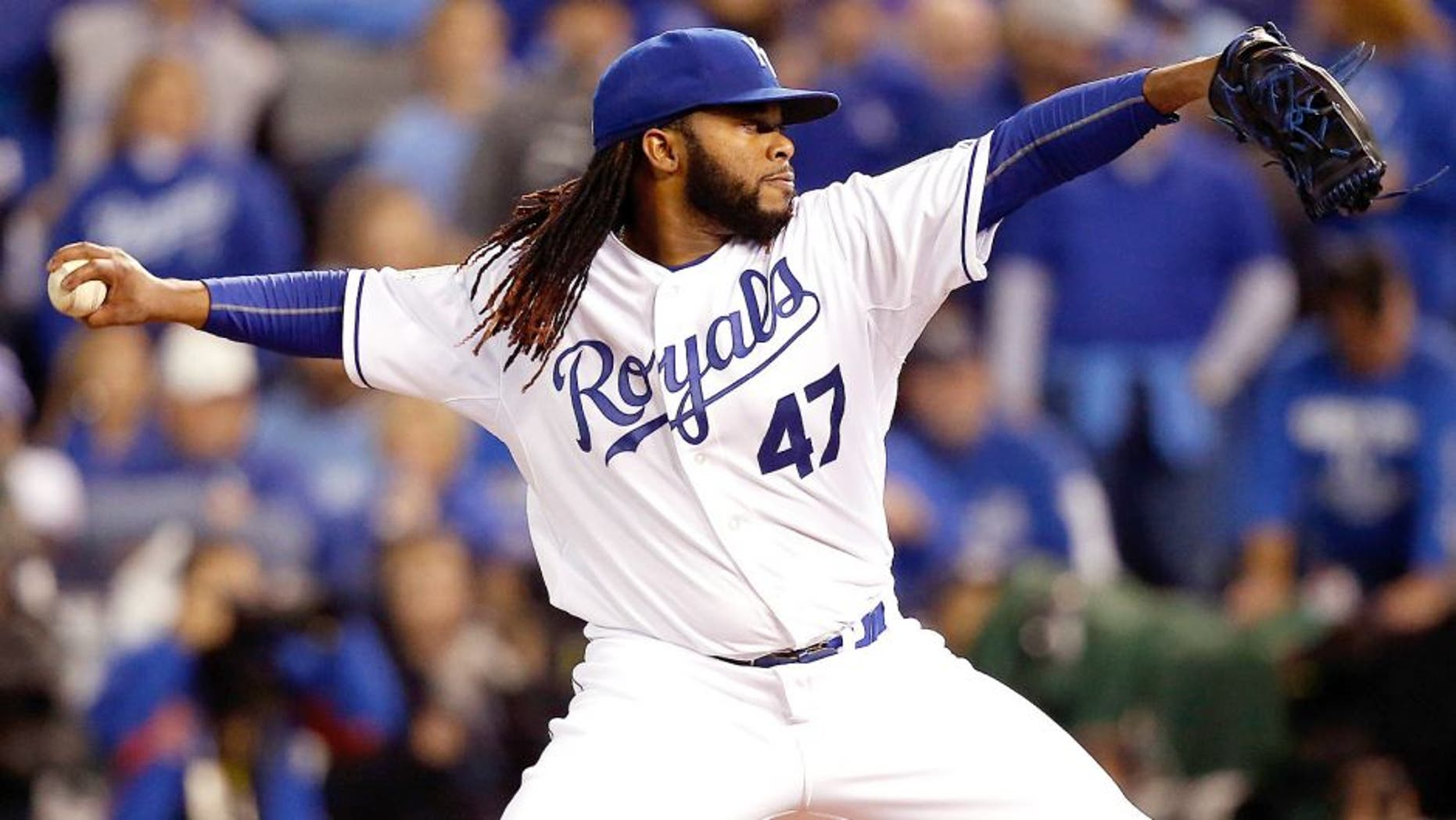 KANSAS CITY, MO - OCTOBER 28: Johnny Cueto #47 of the Kansas City Royals throws a pitch in the first inning against the New York Mets in Game Two of the 2015 World Series at Kauffman Stadium on October 28, 2015 in Kansas City, Missouri. (Photo by Christian Petersen/Getty Images)