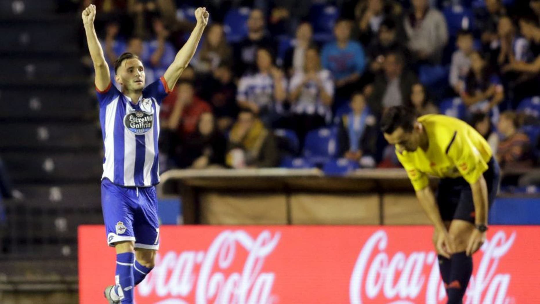 Deportivo Coruna's Lucas Perez celebrates his goal against Atletico Madrid during their Spanish First Division soccer match at Riazor stadium in Coruna, Spain October 30, 2015. REUTERS/Miguel Vidal Picture Supplied by Action Images