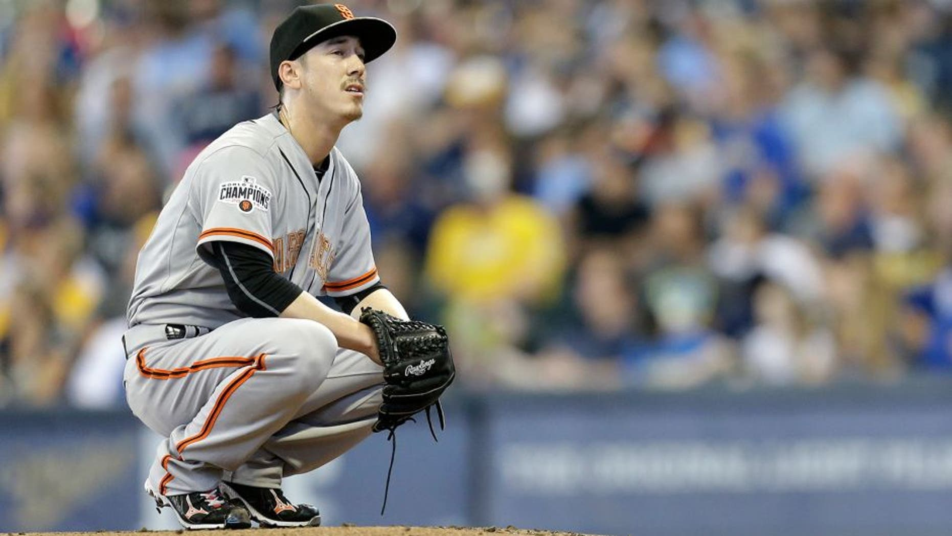 MILWAUKEE, WI - MAY 25: Tim Lincecum #55 of the San Francisco Giants during the game against the Milwaukee Brewers at Miller Park on May 25, 2015 in Milwaukee, Wisconsin. (Photo by Mike McGinnis/Getty Images)