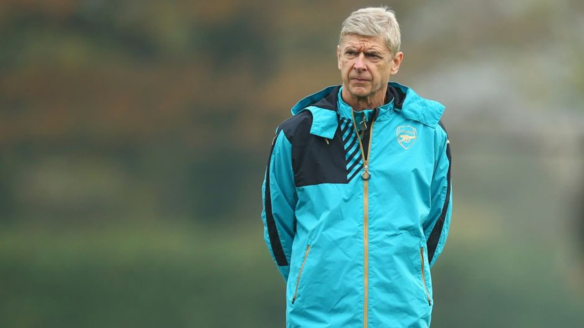 ST ALBANS, ENGLAND - NOVEMBER 03: Arsene Wenger manager of Arsenal looks on during an Arsenal training session on the eve of the UEFA Champions League Group F match against Bayern Munich at London Colney on November 3, 2015 in St Albans, England. (Photo by Dan Mullan/Getty Images)