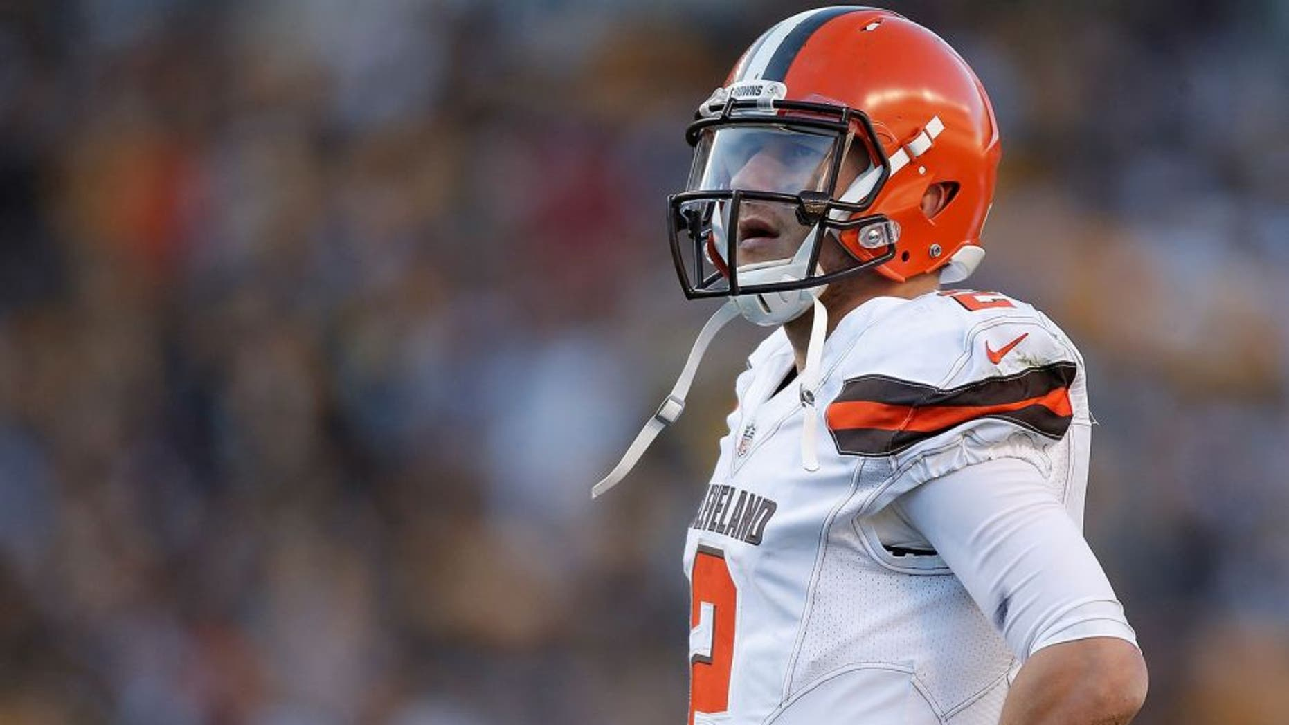 PITTSBURGH, PA - NOVEMBER 15: Johnny Manziel #2 of the Cleveland Browns during the 2nd half of the game against the Pittsburgh Steelers at Heinz Field on November 15, 2015 in Pittsburgh, Pennsylvania. (Photo by Gregory Shamus/Getty Images)