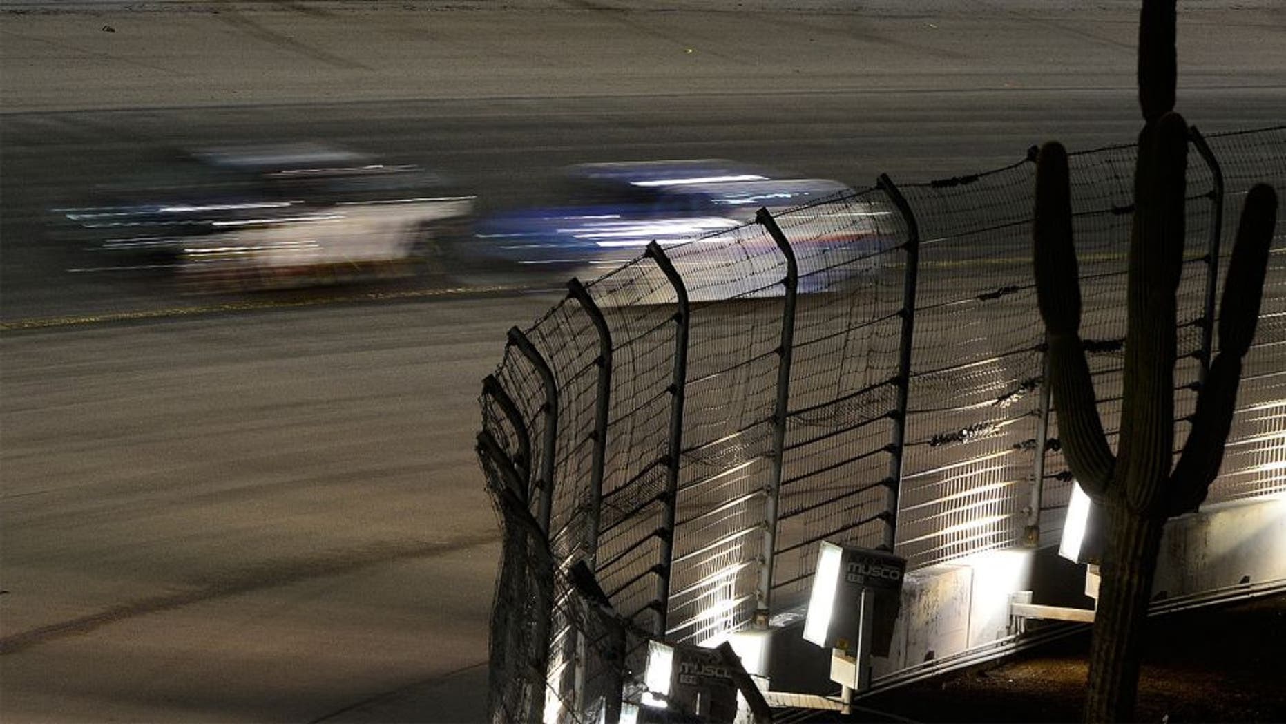 AVONDALE, AZ - NOVEMBER 15: A view of race action during the NASCAR Sprint Cup Series Quicken Loans Race for Heroes 500 at Phoenix International Raceway on November 15, 2015 in Avondale, Arizona. (Photo by Robert Laberge/NASCAR via Getty Images)