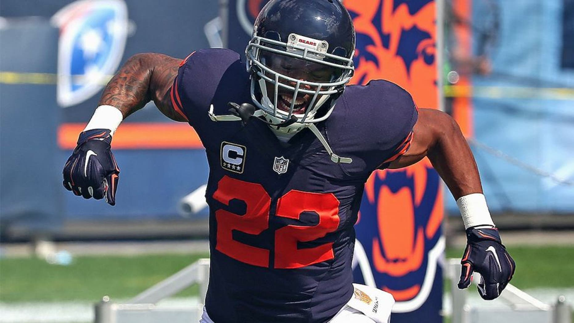 CHICAGO, IL - SEPTEMBER 13: Matt Forte #22 of the Chicago Bears yells during player introductions before a game against the Green Bay Packers at Soldier Field on September 13, 2015 in Chicago, Illinois. The Packers defeated the Bears 31-23. (Photo by Jonathan Daniel/Getty Images)