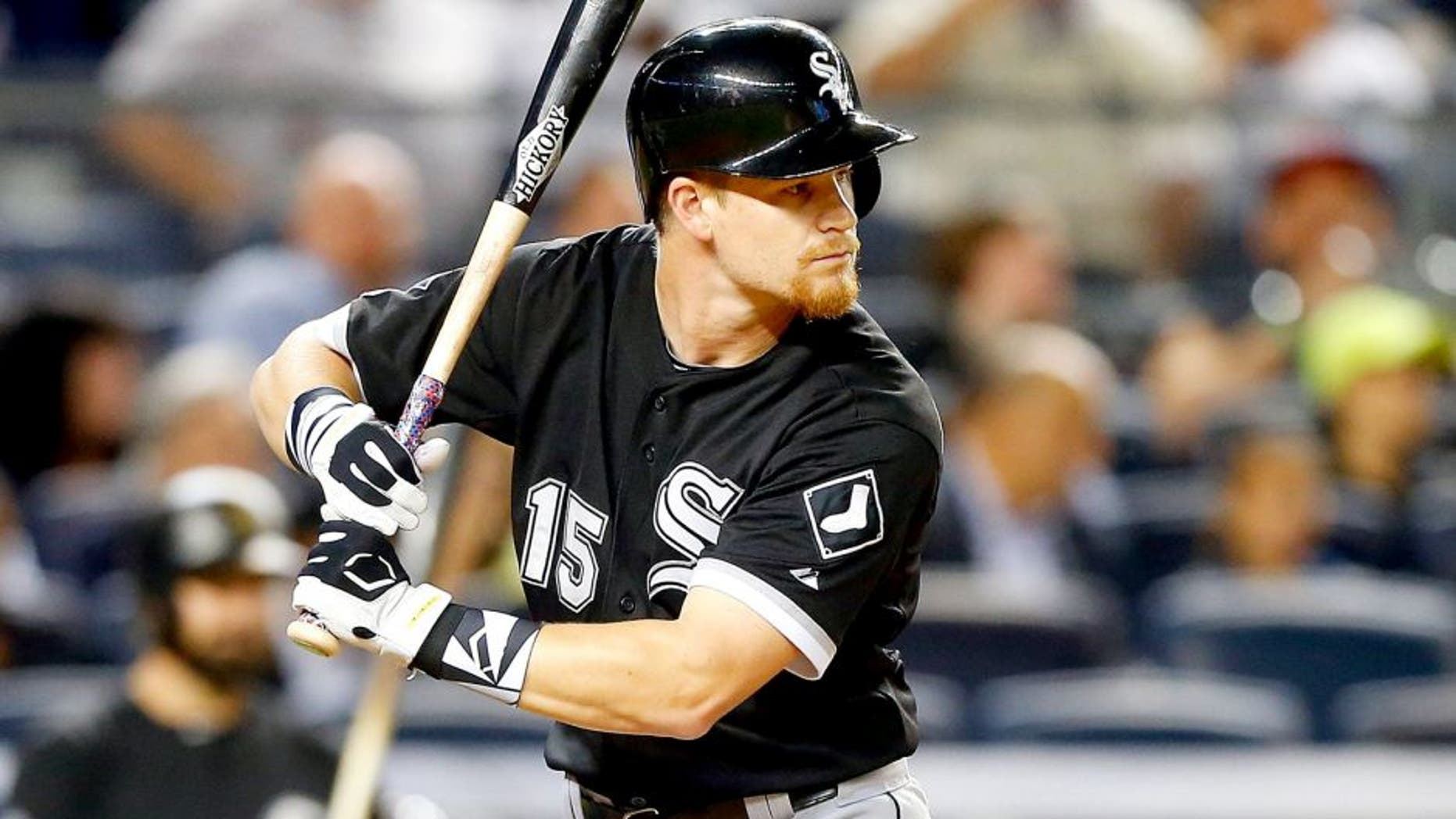 NEW YORK, NY - SEPTEMBER 25: Gordon Beckham #15 of the Chicago White Sox in action against the New York Yankees at Yankee Stadium on September 25, 2015 in the Bronx borough of New York City. The White Sox defeated the Yankees 5-2. (Photo by Jim McIsaac/Getty Images)
