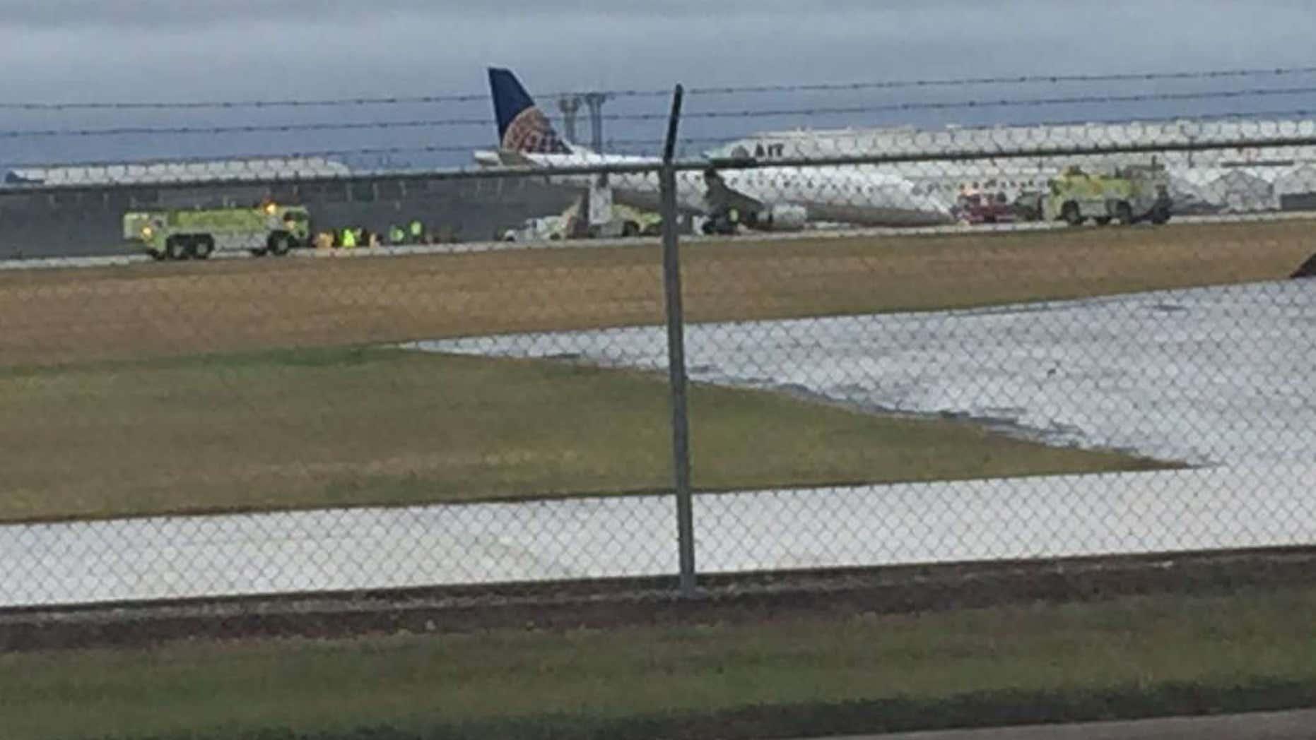 Plane Landing Gear Collapses On Landing At San Antonio