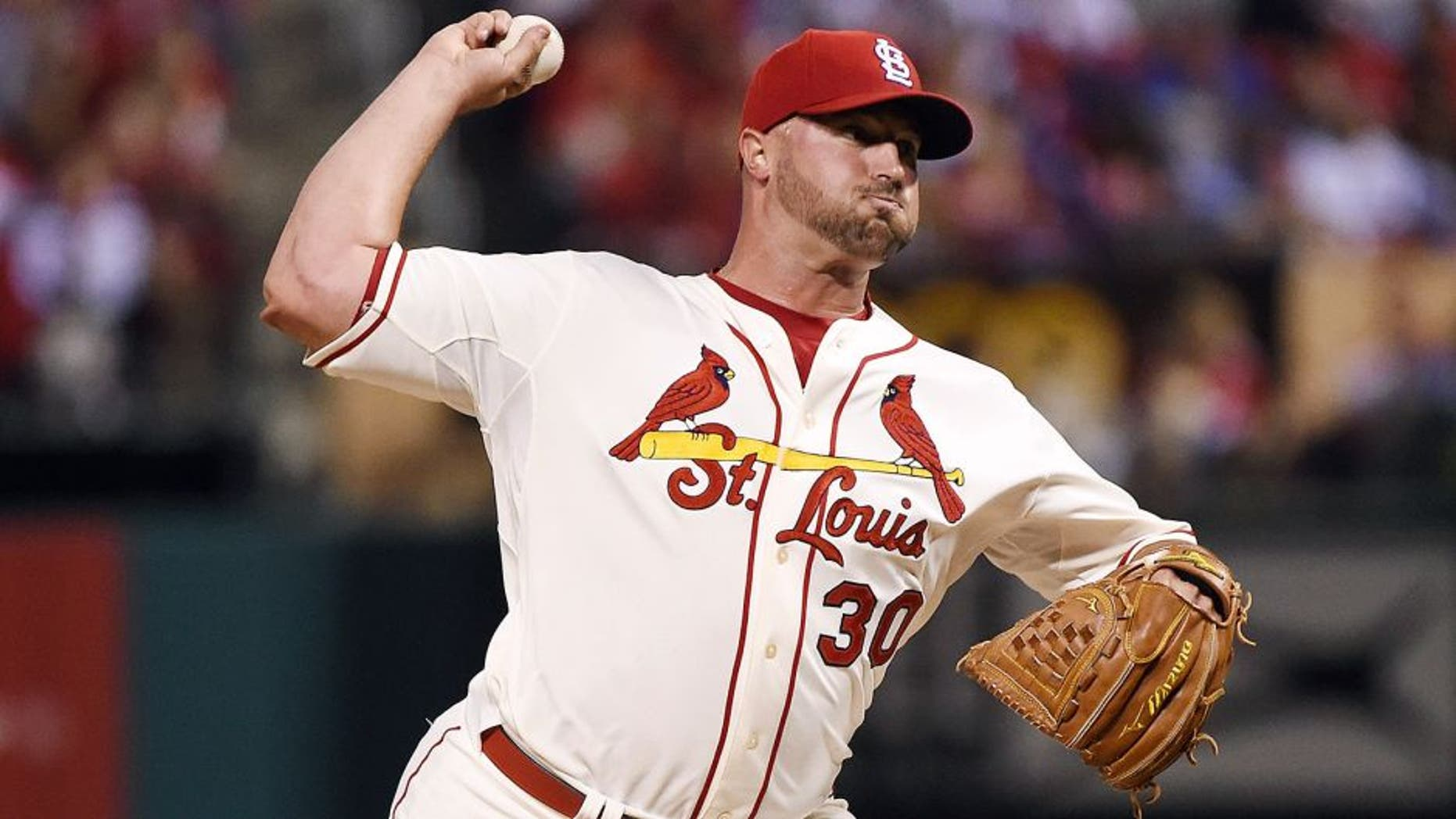 ST LOUIS, MO - OCTOBER 10: Jonathan Broxton #30 of the St. Louis Cardinals throws a pitch in the ninth inning against the Chicago Cubs during game two of the National League Division Series at Busch Stadium on October 10, 2015 in St Louis, Missouri. (Photo by Michael B. Thomas/Getty Images)