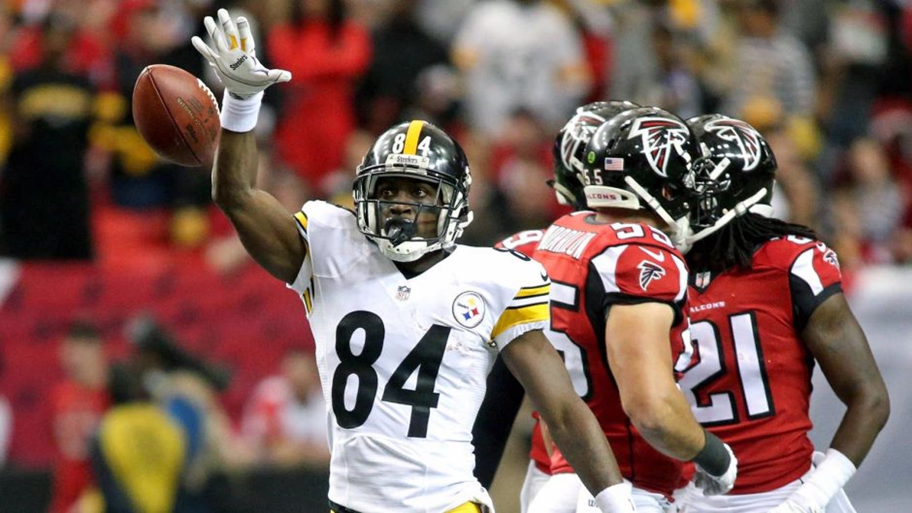 Dec 14, 2014; Atlanta, GA, USA; Pittsburgh Steelers wide receiver Antonio Brown (84) reacts after a first down catch in the first quarter of their game against the Atlanta Falcons at the Georgia Dome. Mandatory Credit: Jason Getz-USA TODAY Sports