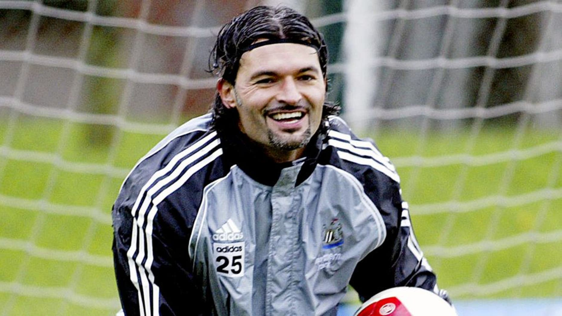 NEWCASTLE-UPON-TYNE, UNITED KINGDOM - OCTOBER 20: Goal Keeper Pavel Srnicek laughs after he makes a save during a training session at the Newcastle United training ground on October 20, 2006 in Benton, Newcastle, England. (Photo by Ian Horrocks/Newcastle Utd via Getty Images)
