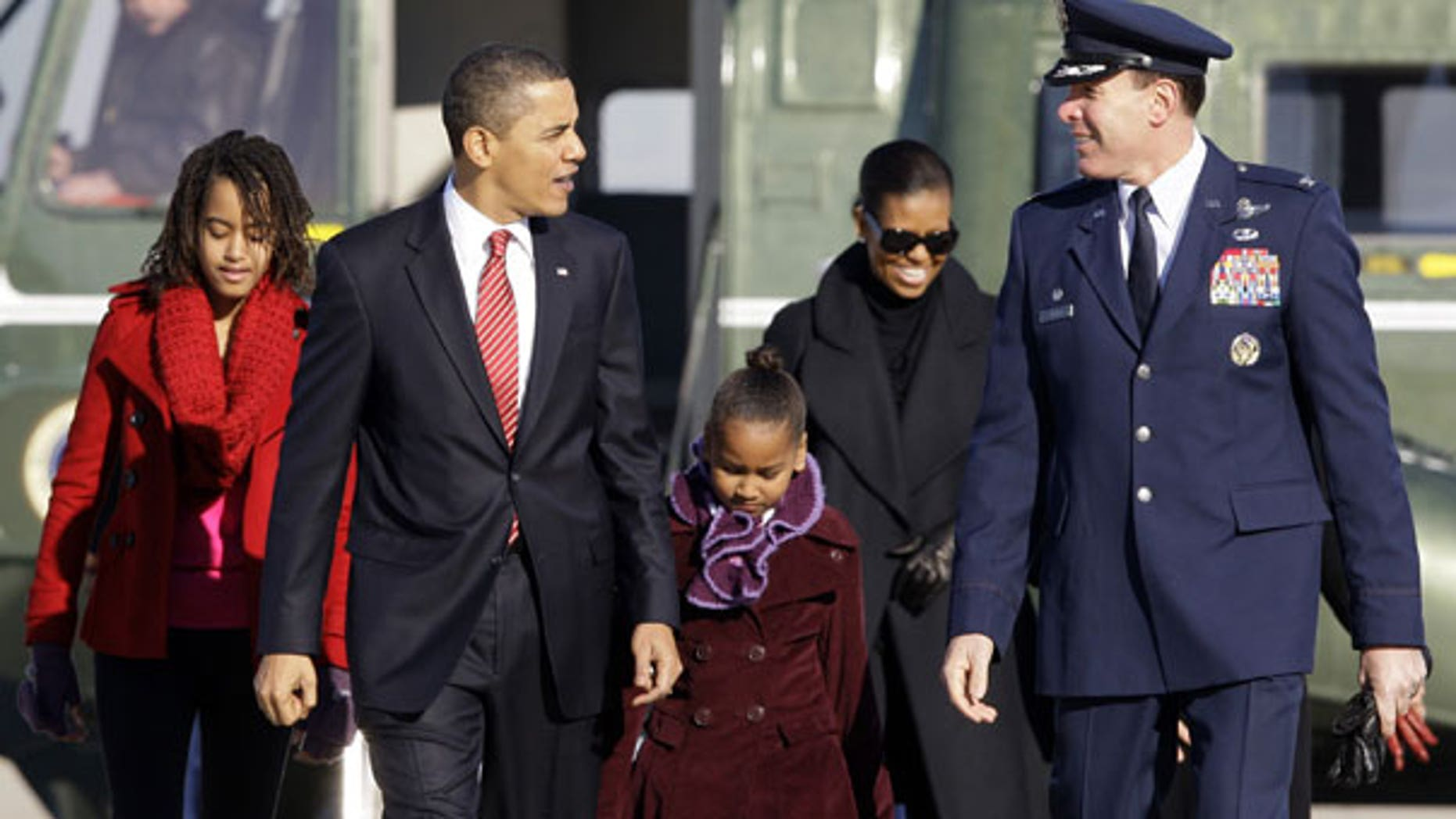 Gop Christmas Message.Obamas Thank Troops In Christmas Message Gop Vet Recalls
