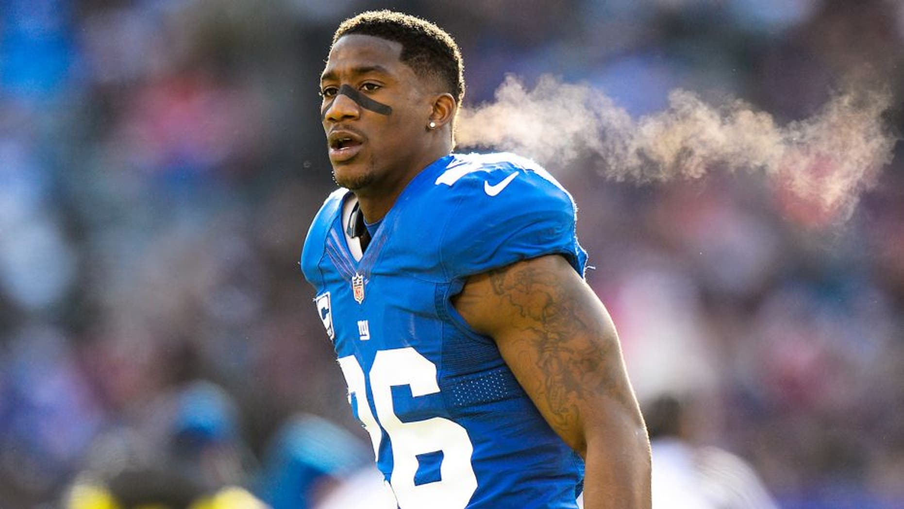 EAST RUTHERFORD, NJ - DECEMBER 15: Strong safety Antrel Rolle #26 during the 1st half of the Seattle Seahawks 23-0 win over the New York Giants at MetLife Stadium on December 15, 2013 in East Rutherford, New Jersey. (Photo by Ron Antonelli/Getty Images)