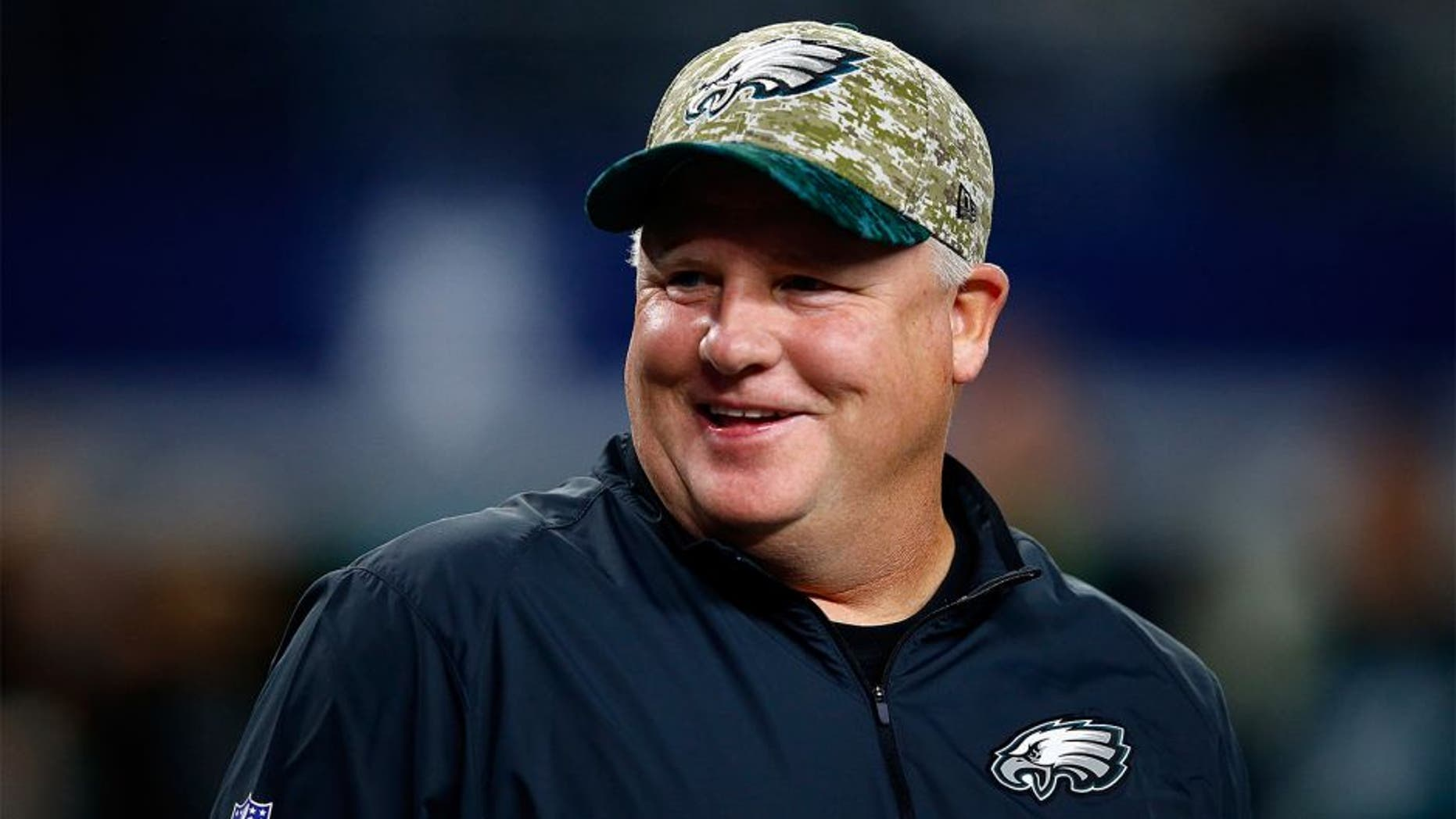 ARLINGTON, TX - NOVEMBER 08: Head coach Chip Kelly of the Philadelphia Eagles talks with players during warm-ups prior to the game against the Dallas Cowboys on November 8, 2015 in Arlington, Texas. (Photo by Jamie Squire/Getty Images)