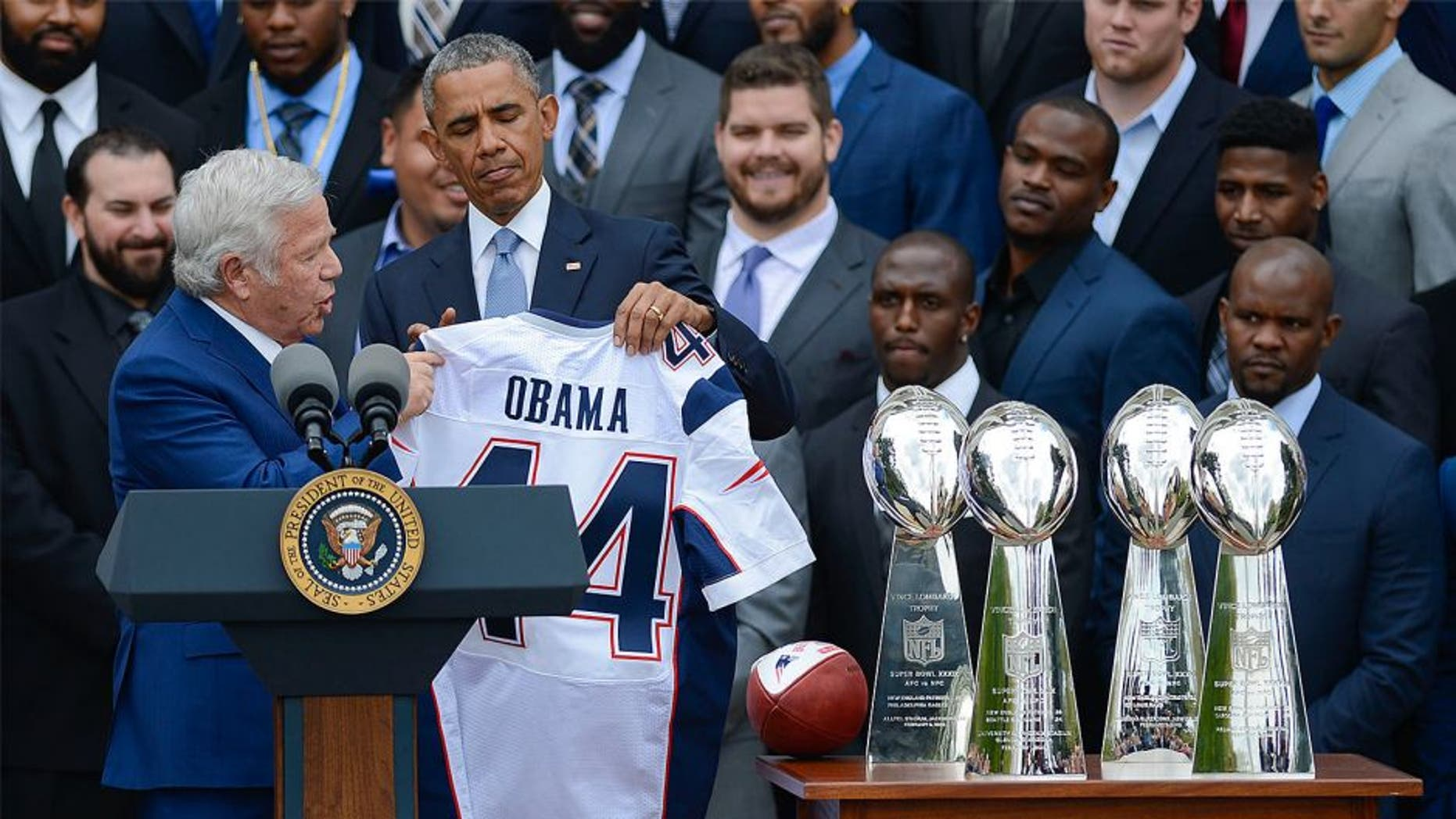 WASHINGTON, DC - APRIL 23: New England Patriots owner Robert Kraft speaks as President Barack Obama honors Superbowl Champions New England Patriots at the White House on April 23, 2015 in Washington, DC. (Photo by Riccardo S. Savi/WireImage)