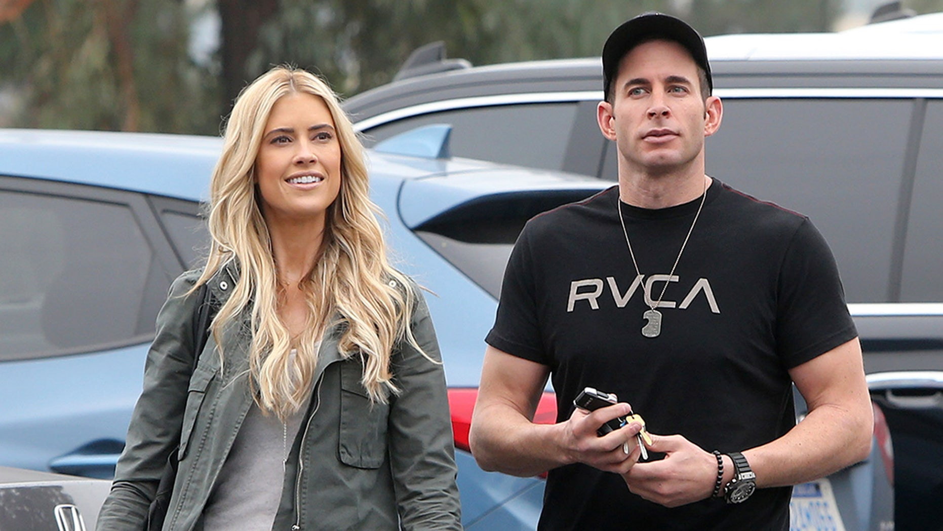 EXCLUSIVE: *NO WEB UNTIL 2AM PST, DECEMBER 16, 2016* *PREMIUM EXCLUSIVE RATES APPLY* Tarek and Christina El Moussa were all hugs and kisses as they were spotted together for the first time following their shock split announcement. The pair were all smiles as they met for a coffee in Los Angeles - dispelling rumors of a war between the stars of HGTV's Flip or Flop. Christina announced the couple were splitting earlier this week but the filing said they had been separated for six months when Tarek scared his wife and friends when he went hiking with a gun. So concerned were authorities that a Sheriff's Helicopter was called to where Tarek was hiking.
