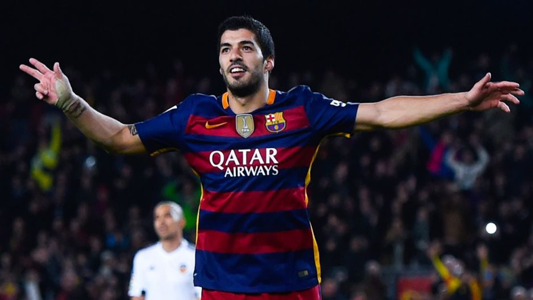 BARCELONA, SPAIN - FEBRUARY 03: Luis Suarez of FC Barcelona celebrates after scoring his team's seventh goal during the Copa del Rey Semi Final first leg match between FC Barcelona and Valencia at Nou Camp on February 3, 2016 in Barcelona, Spain. (Photo by David Ramos/Getty Images)