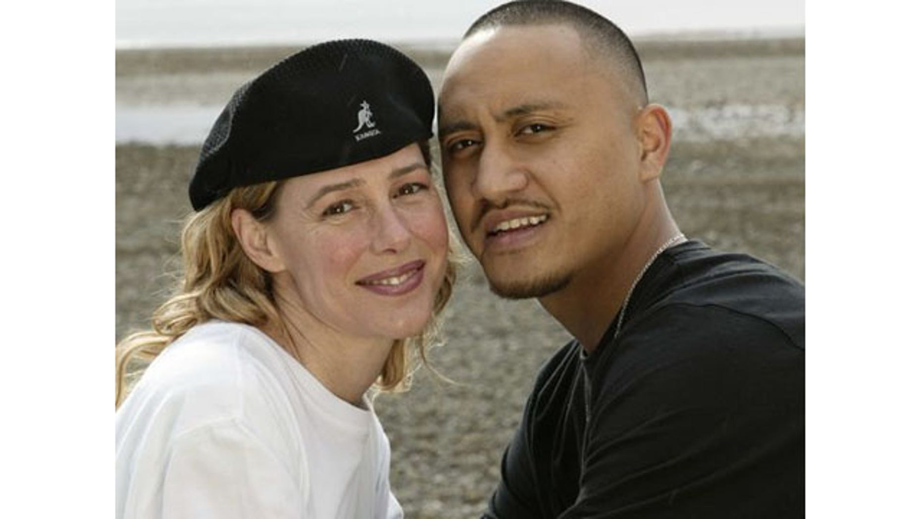 Mary Kay Letourneau and Villi Fualaau posing for a photo April 9, 2005, outside their home in Seattle.(Photo: MARK GREENBERG, AP)