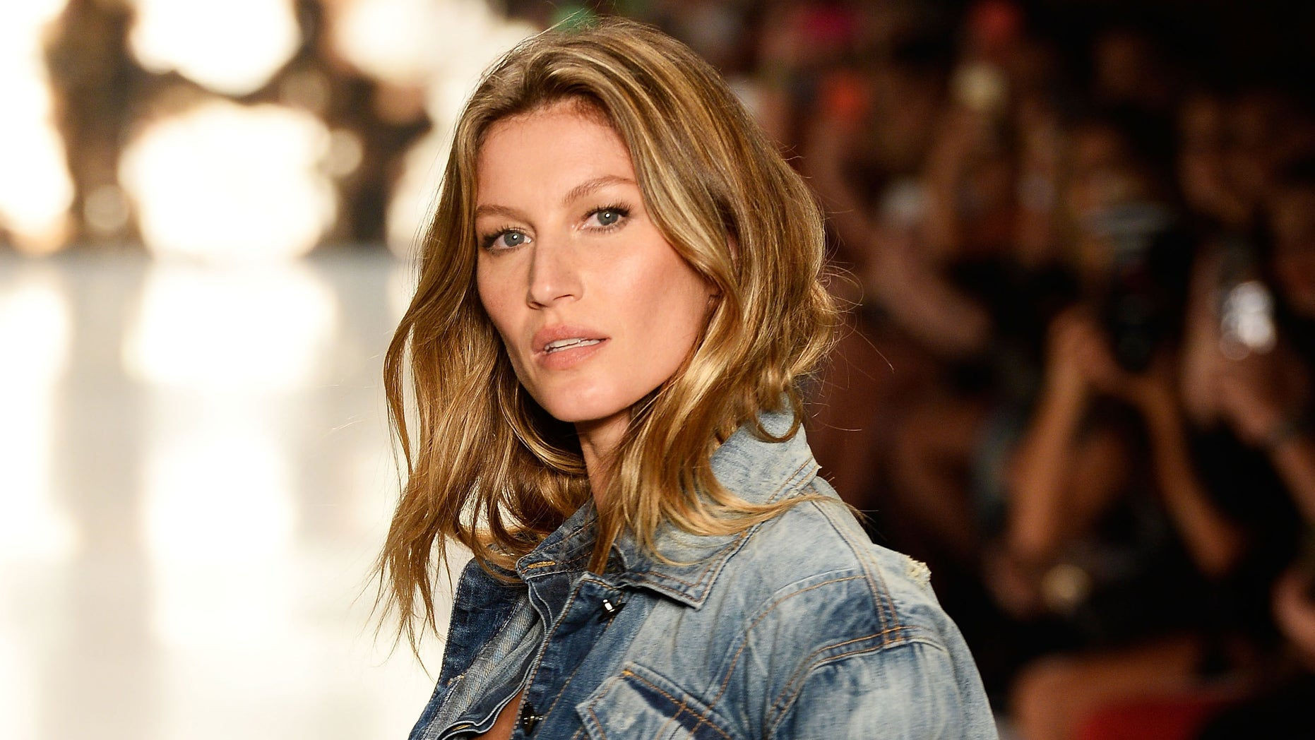 Fashion style Bundchens gisele book worth $700 sold out! for lady