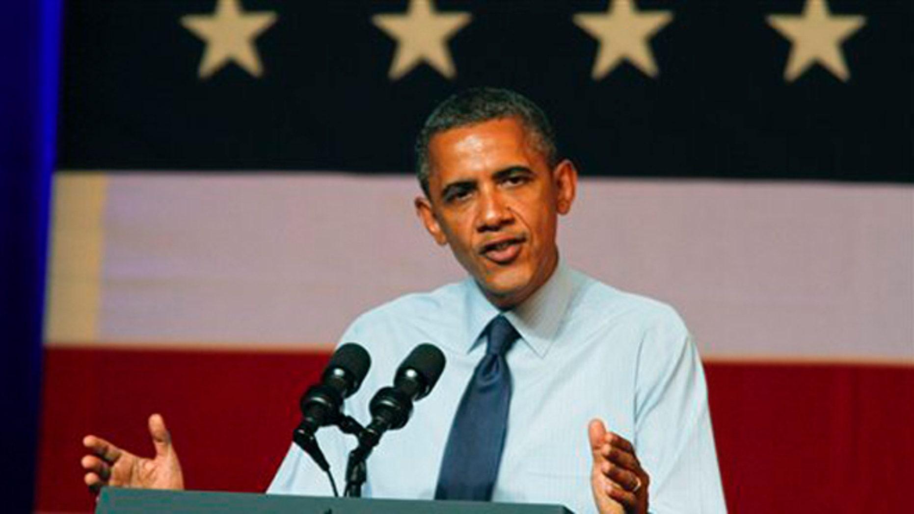 El presidente Barack Obama habla en un acto proselitista en Austin, Texas, el 17 de julio del 2012. El 18 de julio, su gobierno reveló el plan de crear un cuerpo de elite de maestros, en un esfuerzo de 1.000 millones de dólares para mejorar los logros de los estudiantes en ciencias, tecnología, ingeniería y matemáticas (AP Foto/Jack Plunkett)