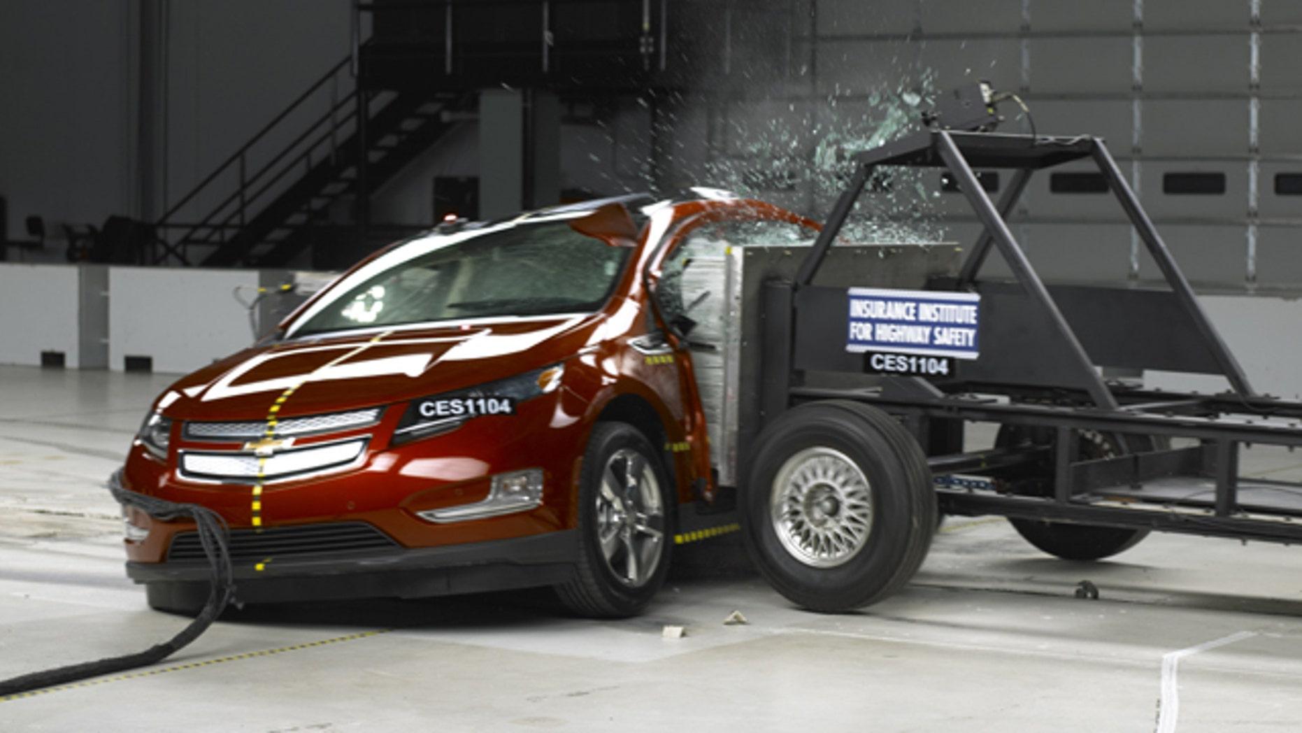 Chevrolet Volt IIHS Crash Test