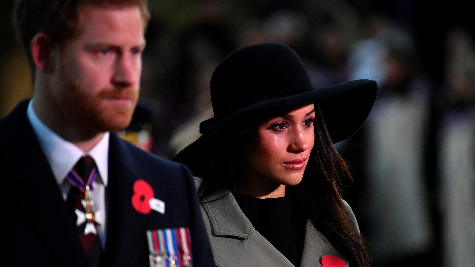 According to AP Markle's parents, Thomas Markle and Doria Ragland, will arrive during the week before the May 19 wedding so they have time to meet Harry's family. In addition to visiting the queen, the exes will meet her husband Prince Philip, Harry's father Prince Charles and his wife Camilla, and with Harry's brother Prince William and his sister-in-law Kate. Ragland will travel with her daughter by car to Windsor Castle on May 19 and Thomas Markle will walk his daughter down the aisle of St. George's Chapel for the ceremony.