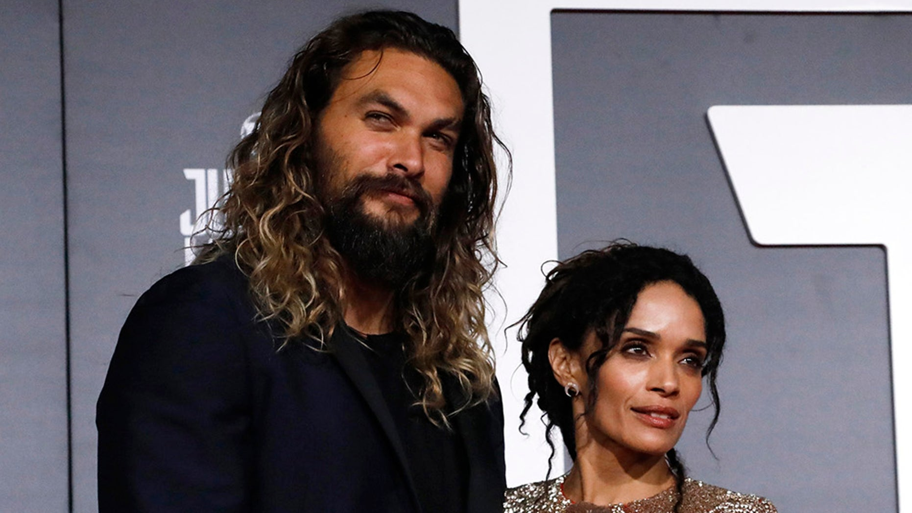 Jason Momoa Heroically Leads A Haka Dance At 'Aquaman' Premiere