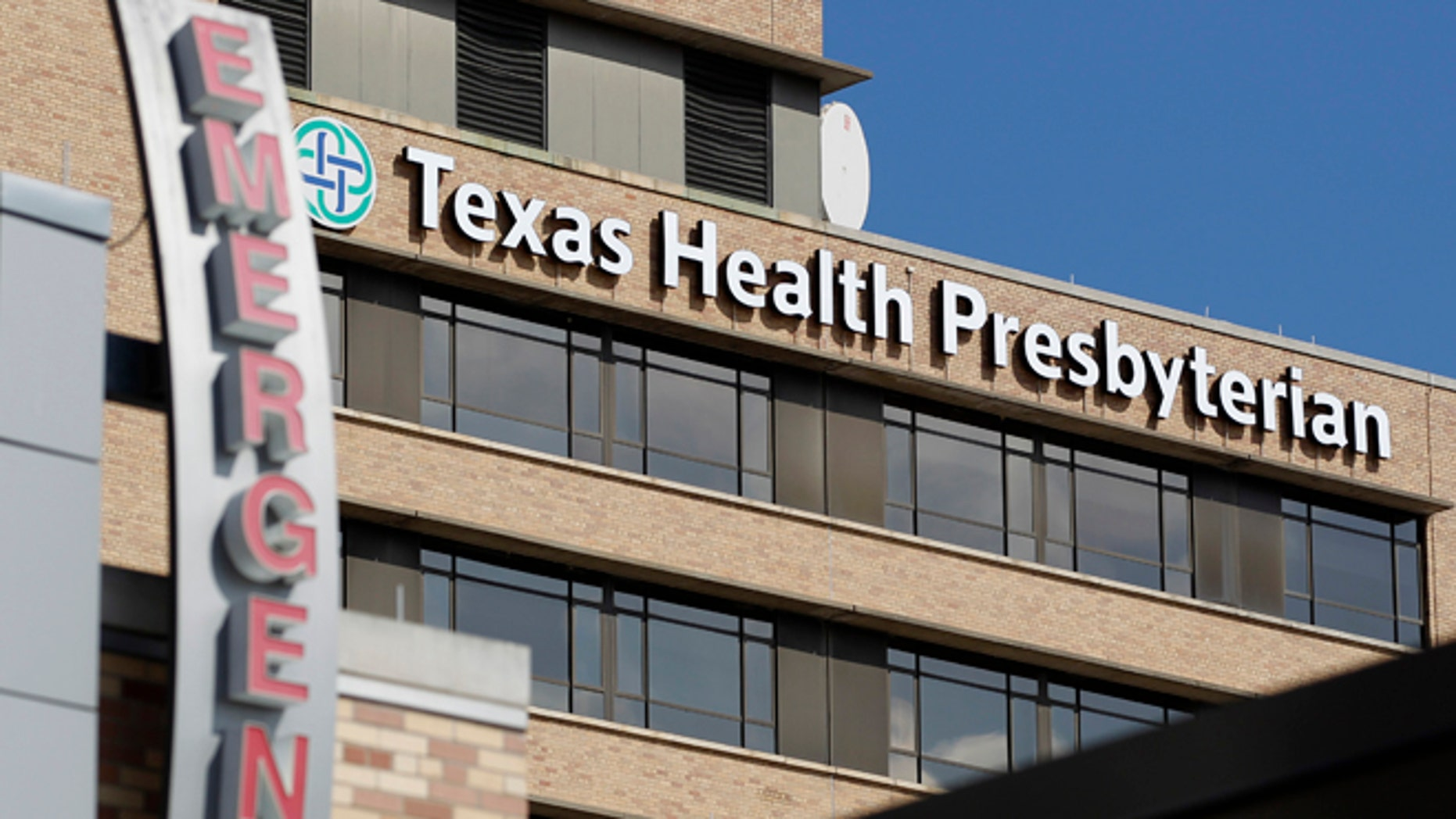 A general view of Texas Health Presbyterian Hospital in Dallas, Texas October 1, 2014. U.S. health experts in Dallas on Wednesday were examining how many people may have been exposed to Ebola, just one day after the first case of the deadly virus was diagnosed in the United States, the nation's top public health official said.  REUTERS/Mike Stone