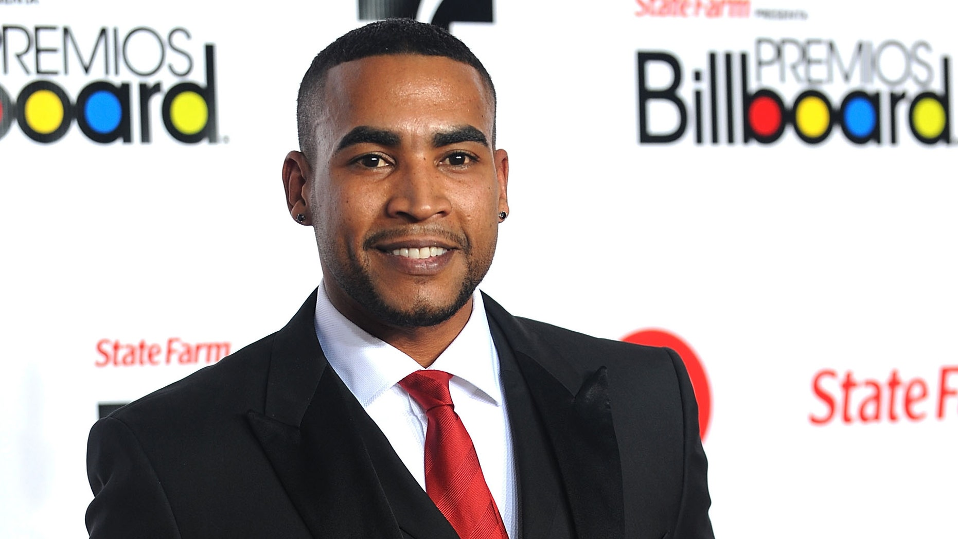 Don Omar arrives at the Billboard Latin Music Awards on April 28, 2011 in Miami, Florida.