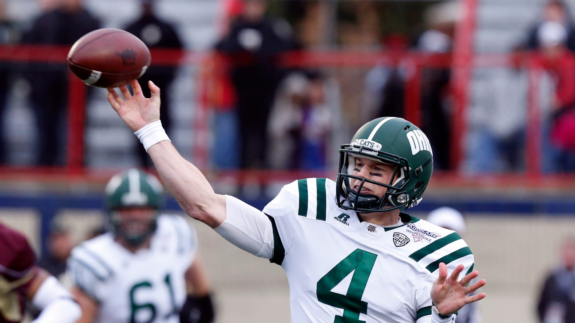 Ohio quarterback Tyler Tettleton (4) throws a short pass against Louisiana-Monroe during the first quarter of the Independence Bowl NCAA college football game in Shreveport, La., Friday, Dec. 28, 2012. (AP Photo/Rogelio V. Solis)