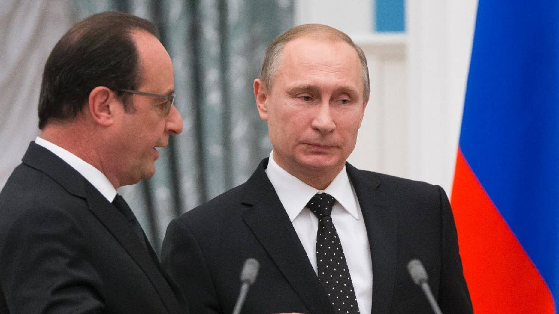 Russian President Vladimir Putin, right, with French President Francois Hollande in November 2015.