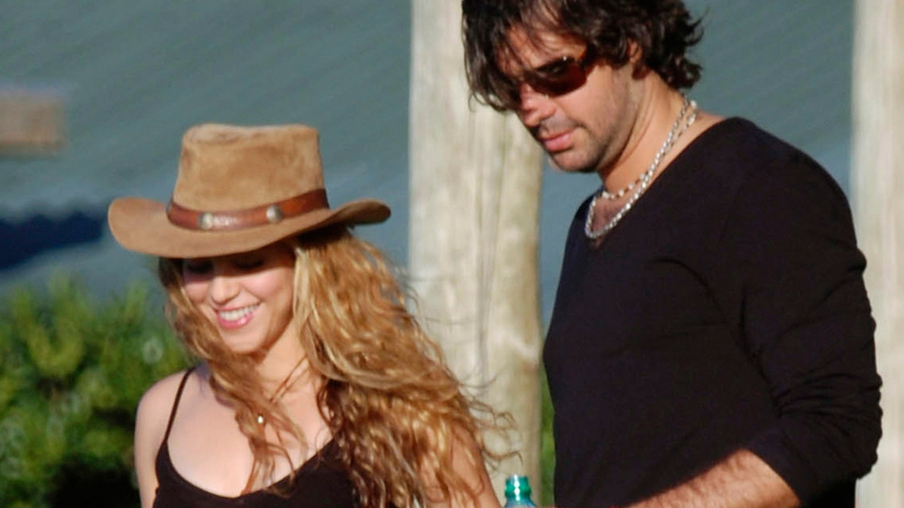 Shakira and Antonio De la Rúa in happier times.