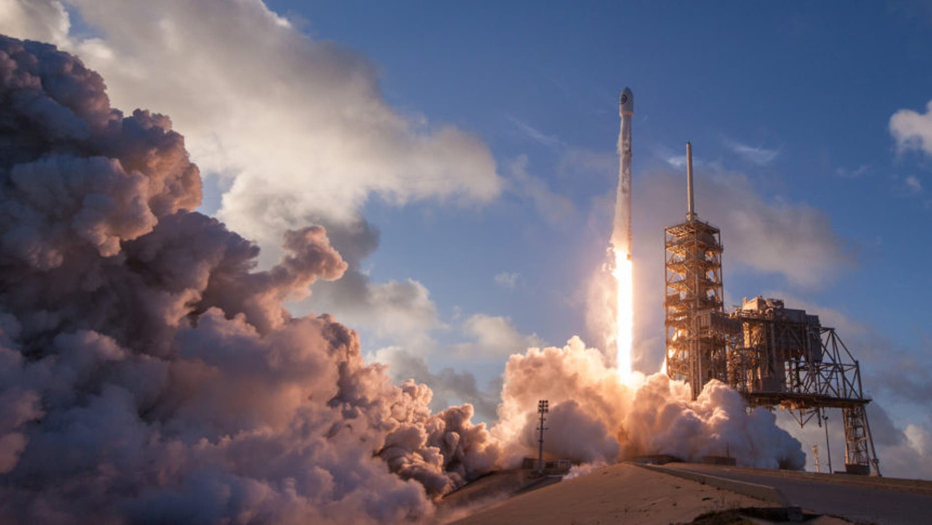 A SpaceX Falcon 9 rocket launches the NROL-76 satellite for the U.S. National Reconnaissance Office on May 1, 2017. A Falcon 9 is scheduled to loft a mysterious payload called Zuma for the U.S. government on Nov. 16.