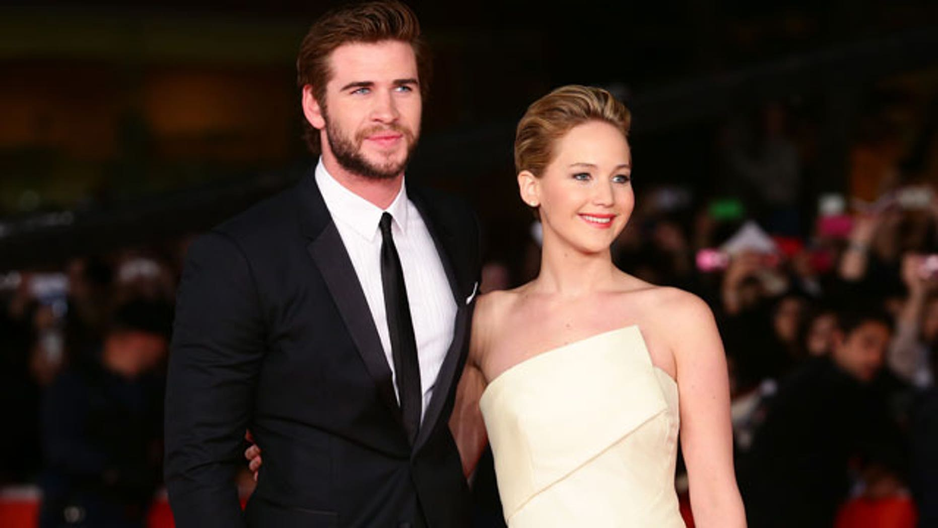 """Jennifer Lawrence was outrageous with co-star Liam Hemsworth on the set of the """"Hunger Games."""""""