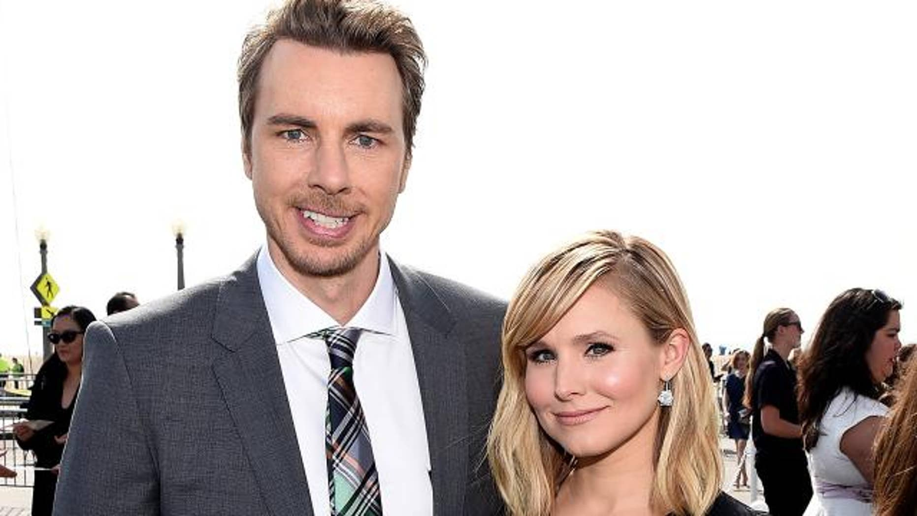 Dax Shepard and Kristen Bell shared a steamy kiss on Instagram.