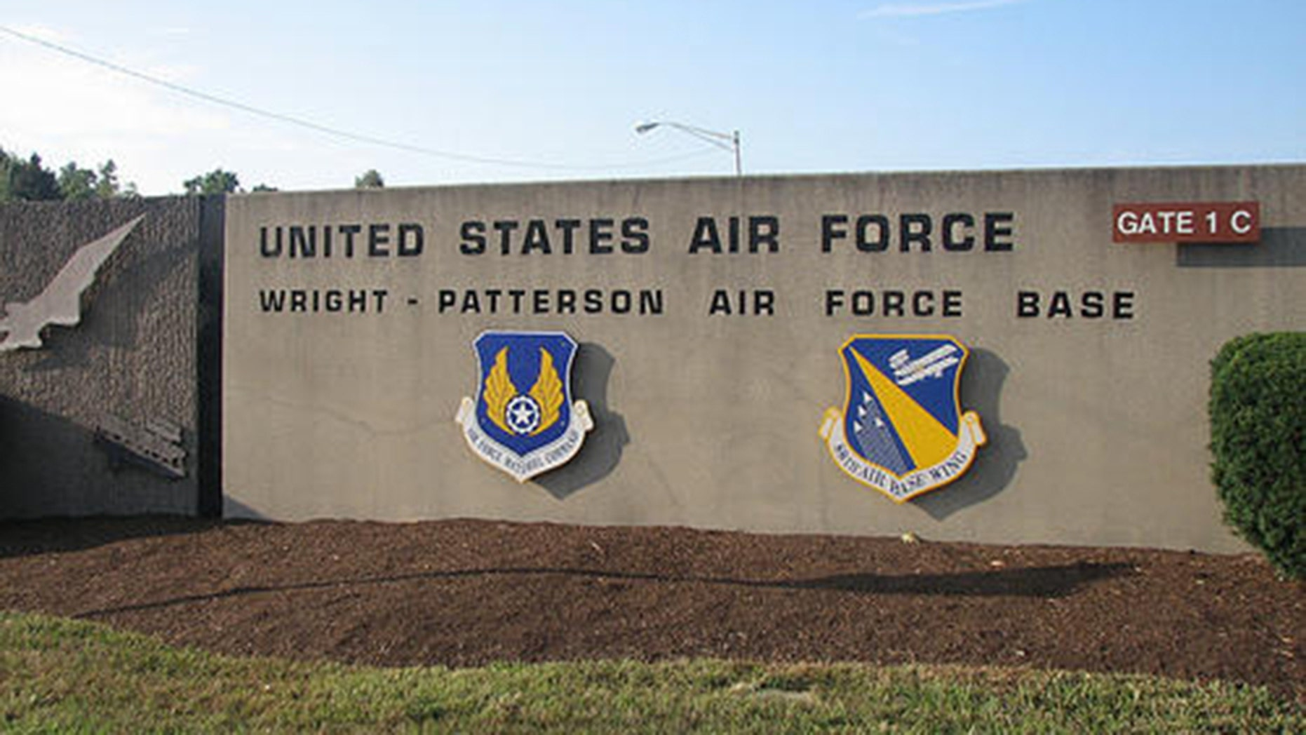 Reports of an active shooter sent emergency responders racing to the hospital at Wright-Patterson Air Force Base in Dayton, Ohio on Thursday afternoon.